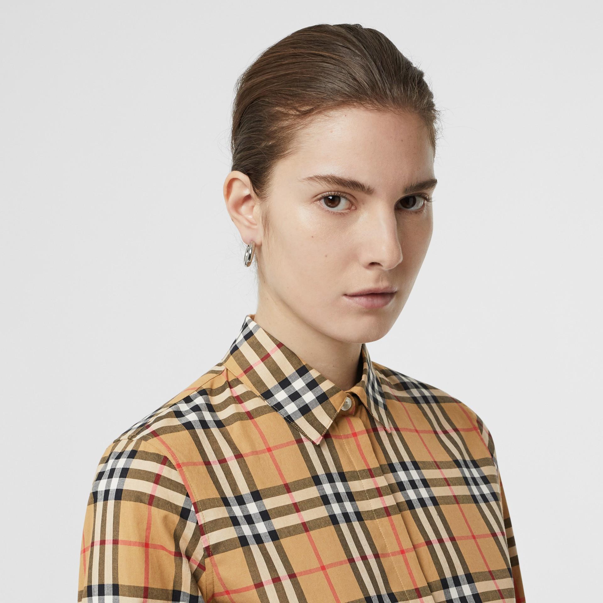Chemise en coton à motif Vintage check (Jaune Antique) - Femme | Burberry - photo de la galerie 1