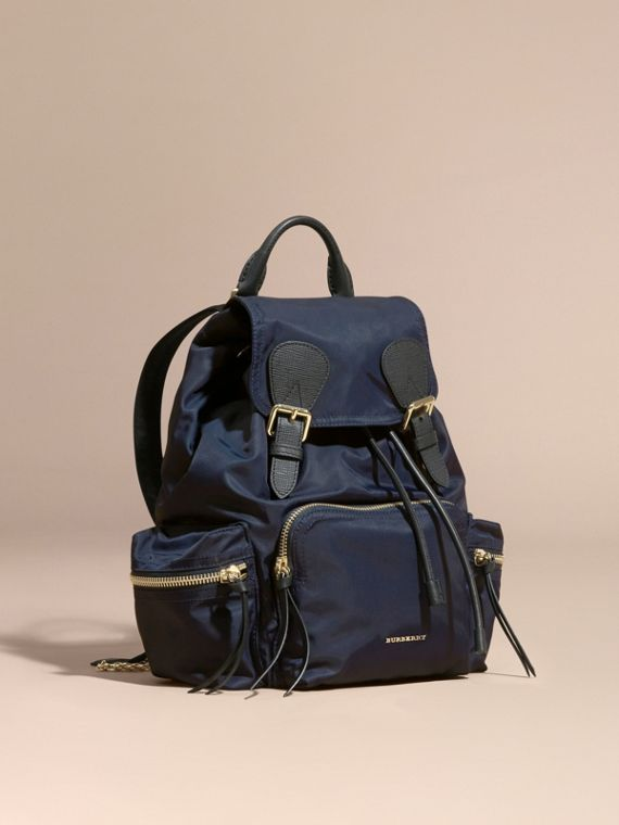 Zaino The Rucksack medio in nylon tecnico e pelle Blu Inchiostro