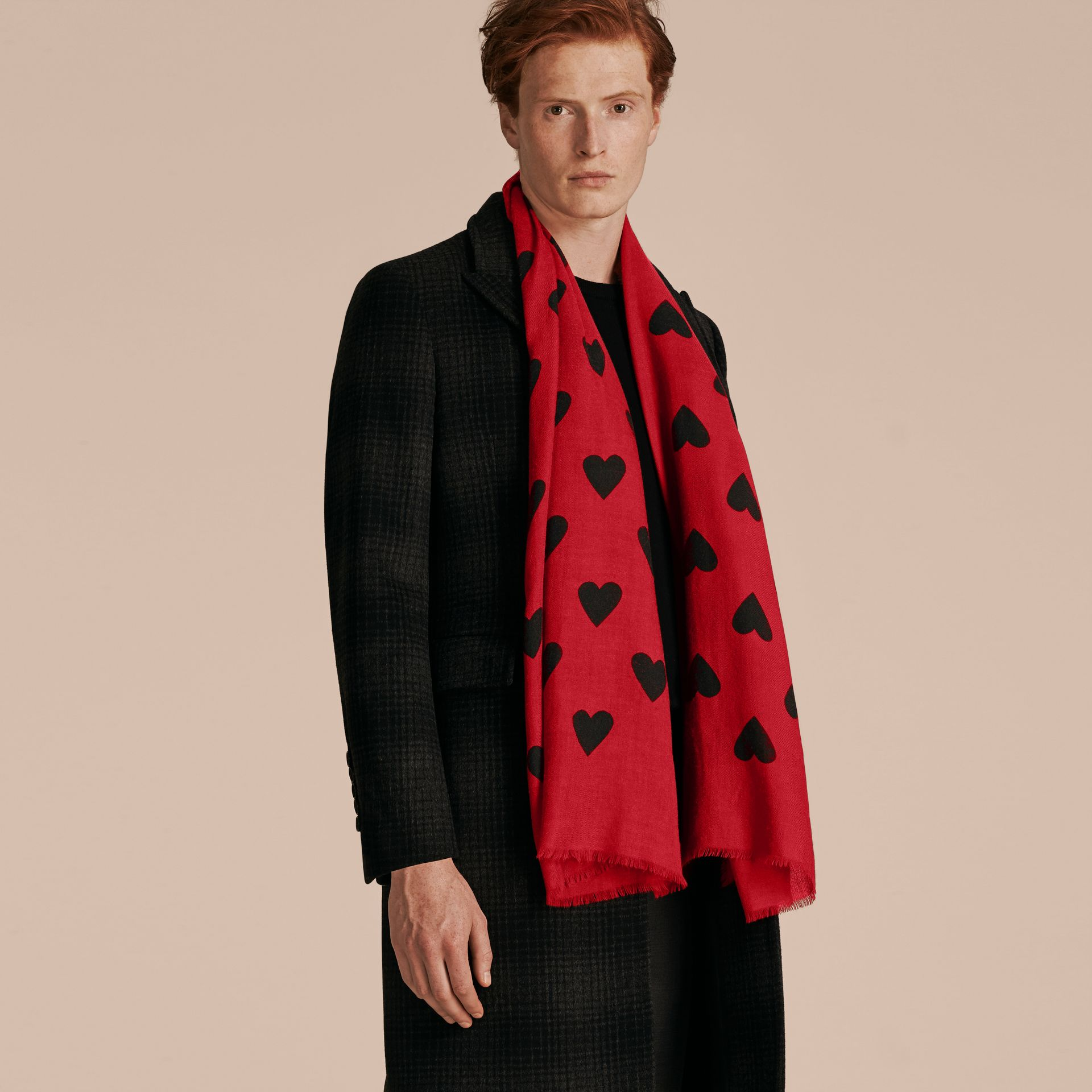 Parade red/black The Lightweight Cashmere Scarf in Heart Print Parade Red/black - gallery image 4