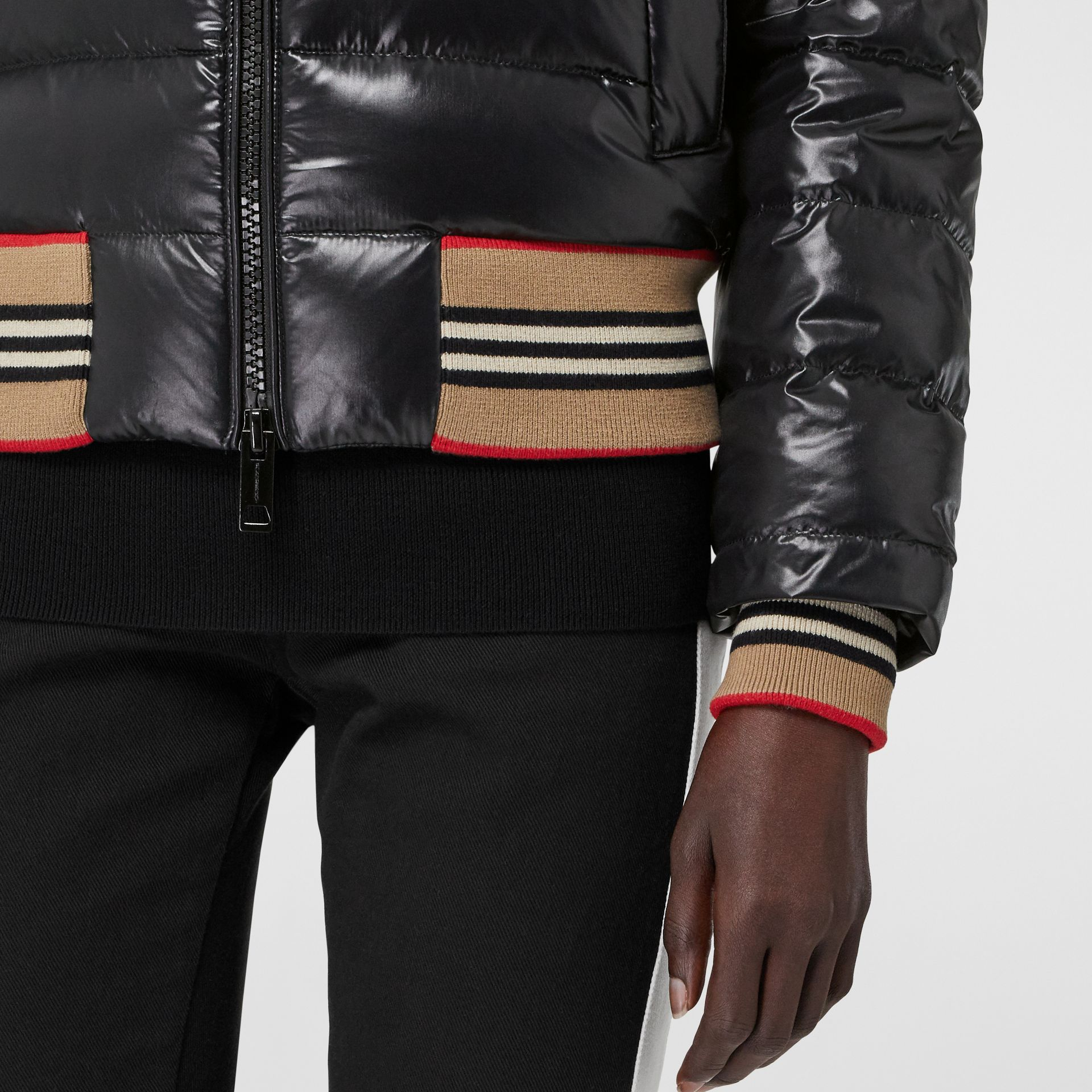 Detachable Sleeve Icon Stripe Detail Puffer Jacket in Black - Women | Burberry Australia - gallery image 4