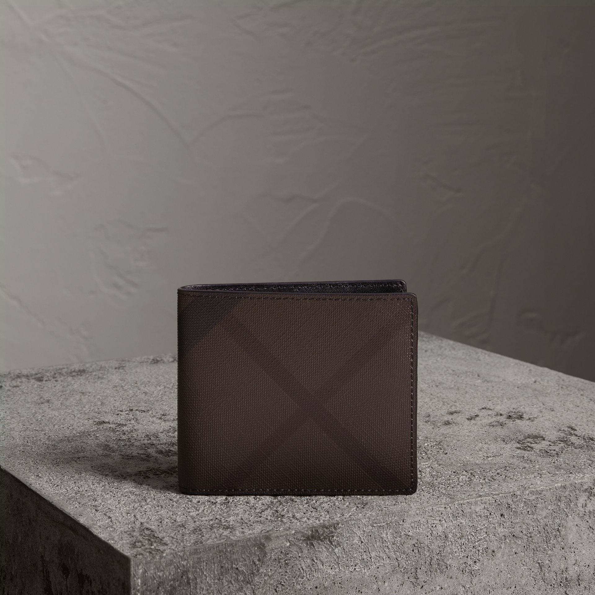 London Check International Bifold Wallet in Chocolate/black - Men | Burberry Singapore - gallery image 0