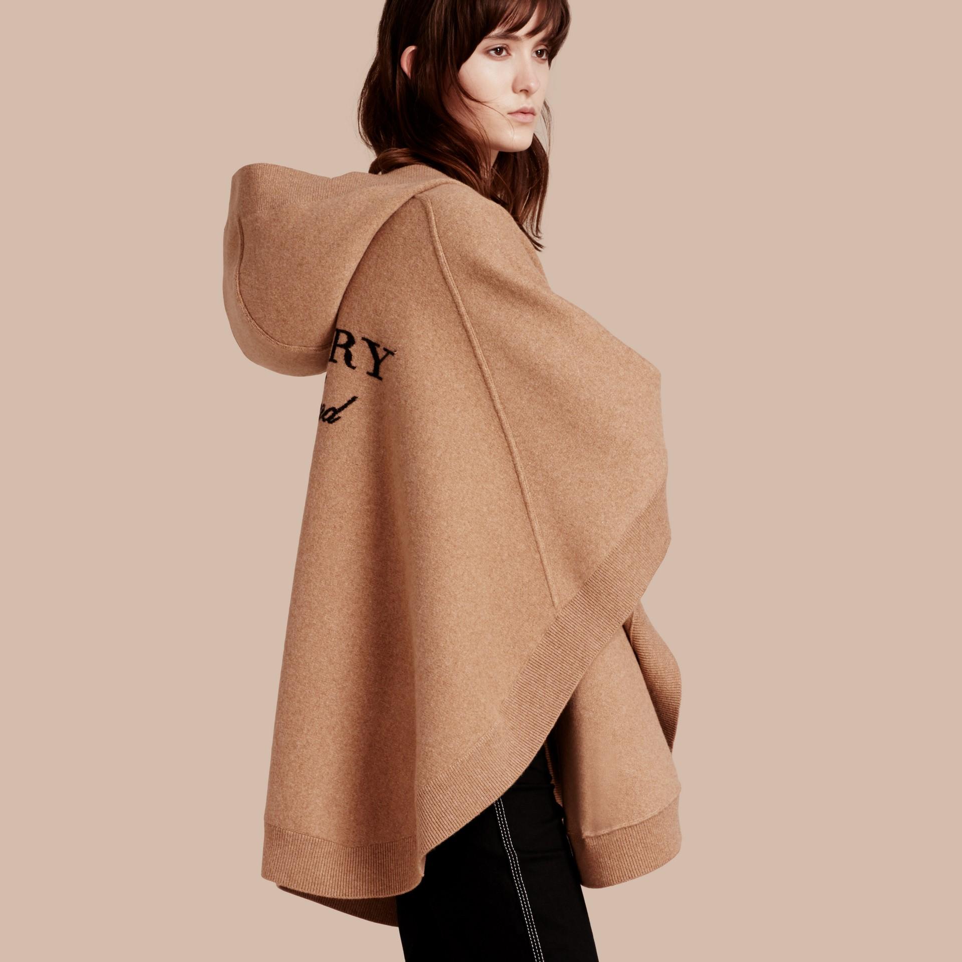 Cammello Poncho con cappuccio in misto lana e cashmere Cammello - immagine della galleria 1