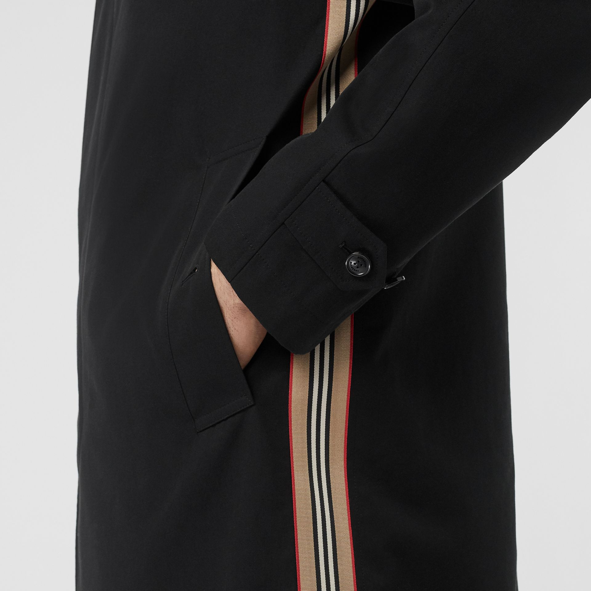 Icon Stripe Detail Tropical Gabardine Car Coat in Black - Men | Burberry United Kingdom - gallery image 4