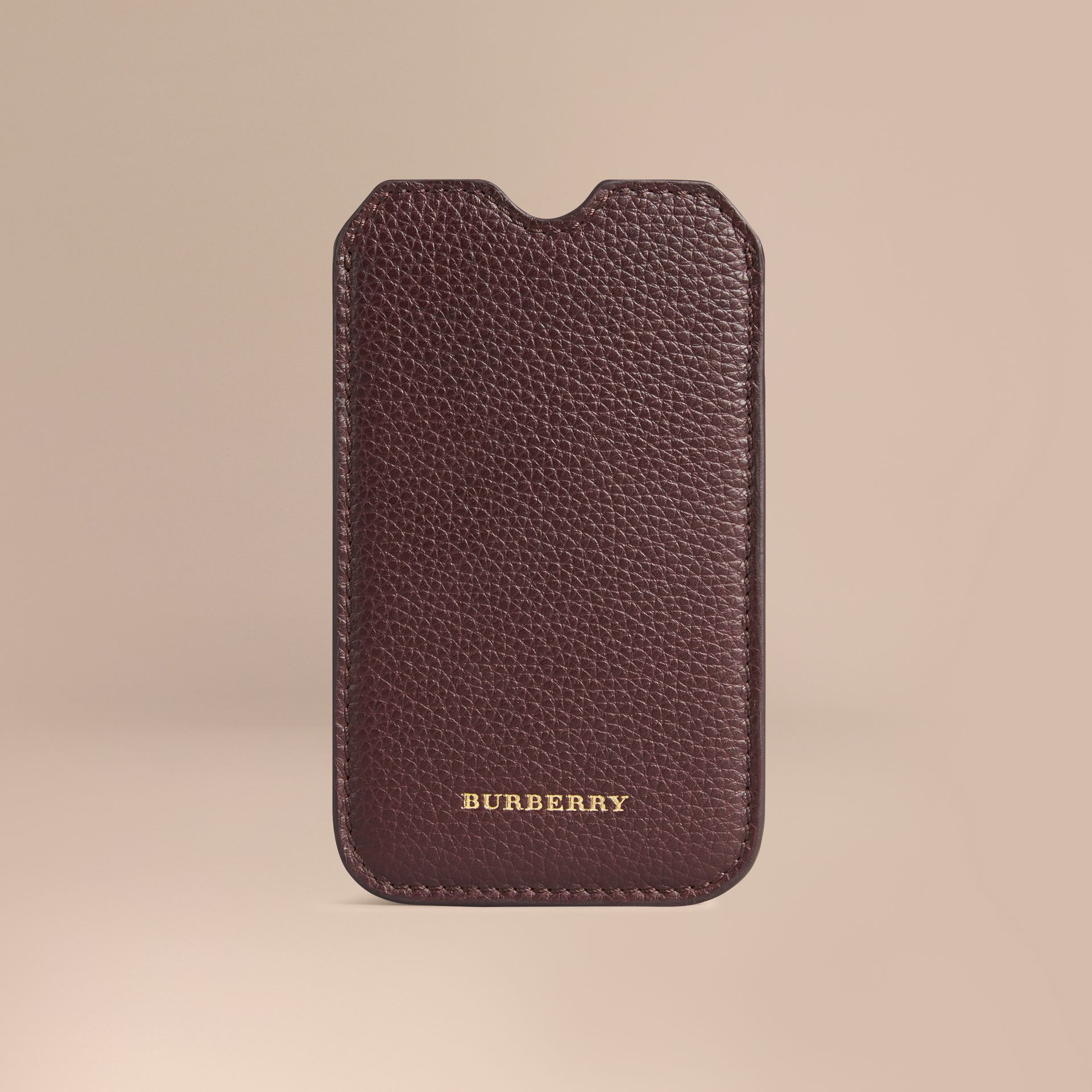 Étui pour iPhone 5/5S en cuir grainé (Ébène Rouge) | Burberry - photo de la galerie 1