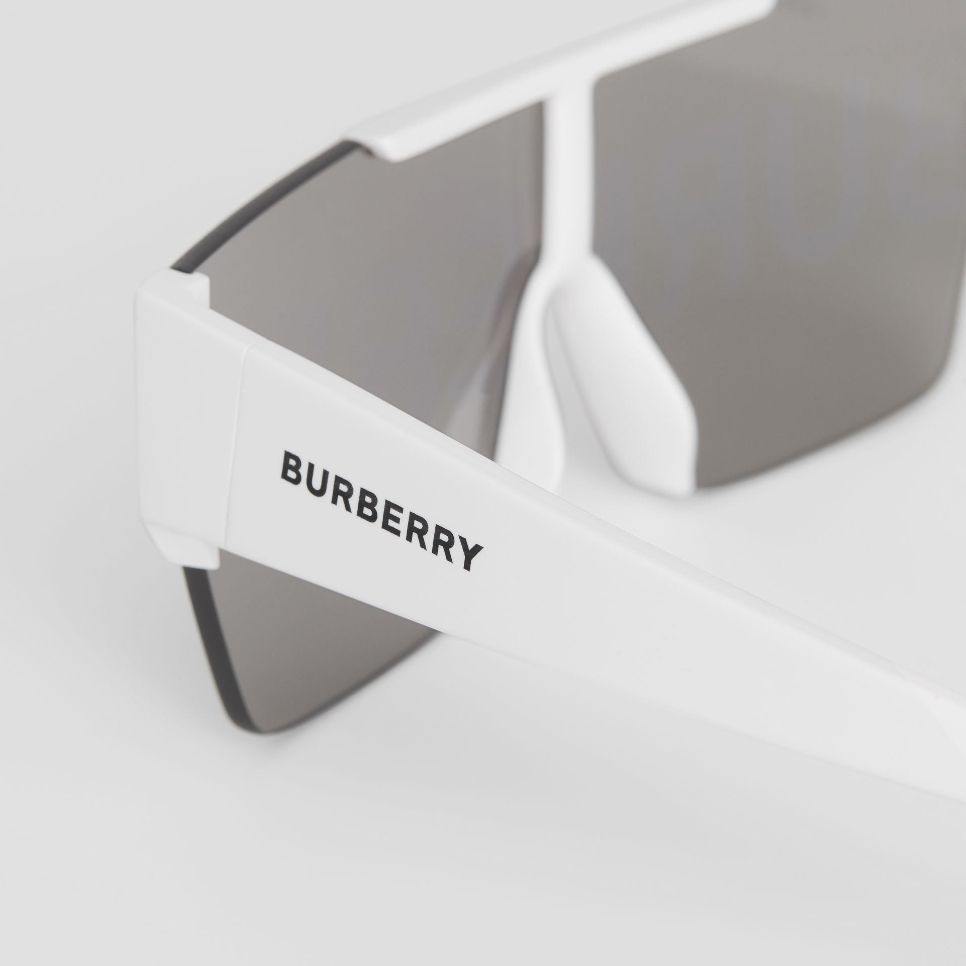 Logo Lens D-frame Sunglasses in White | Burberry - gallery image 1