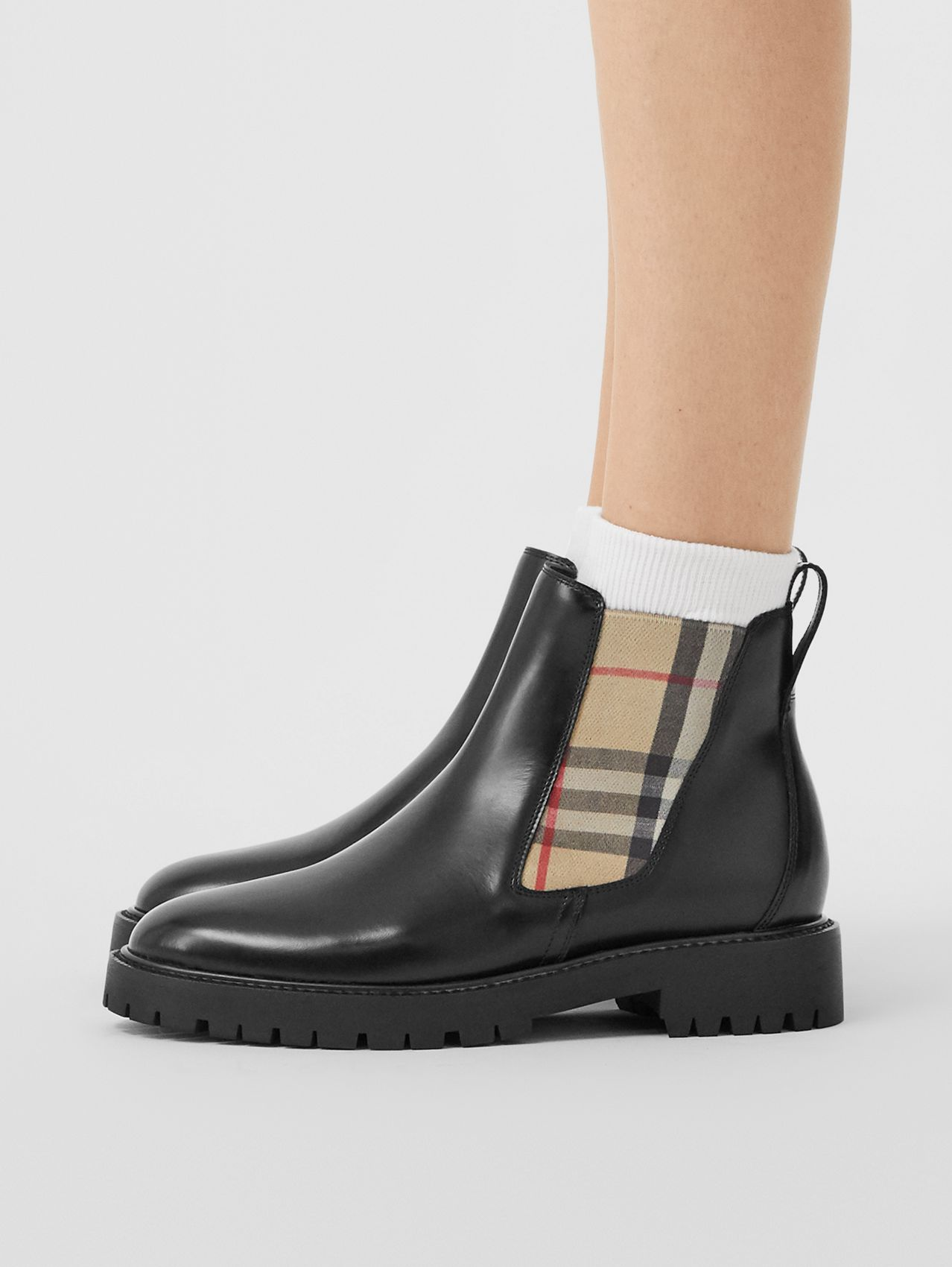 Vintage Check Detail Leather Chelsea Boots (Black)