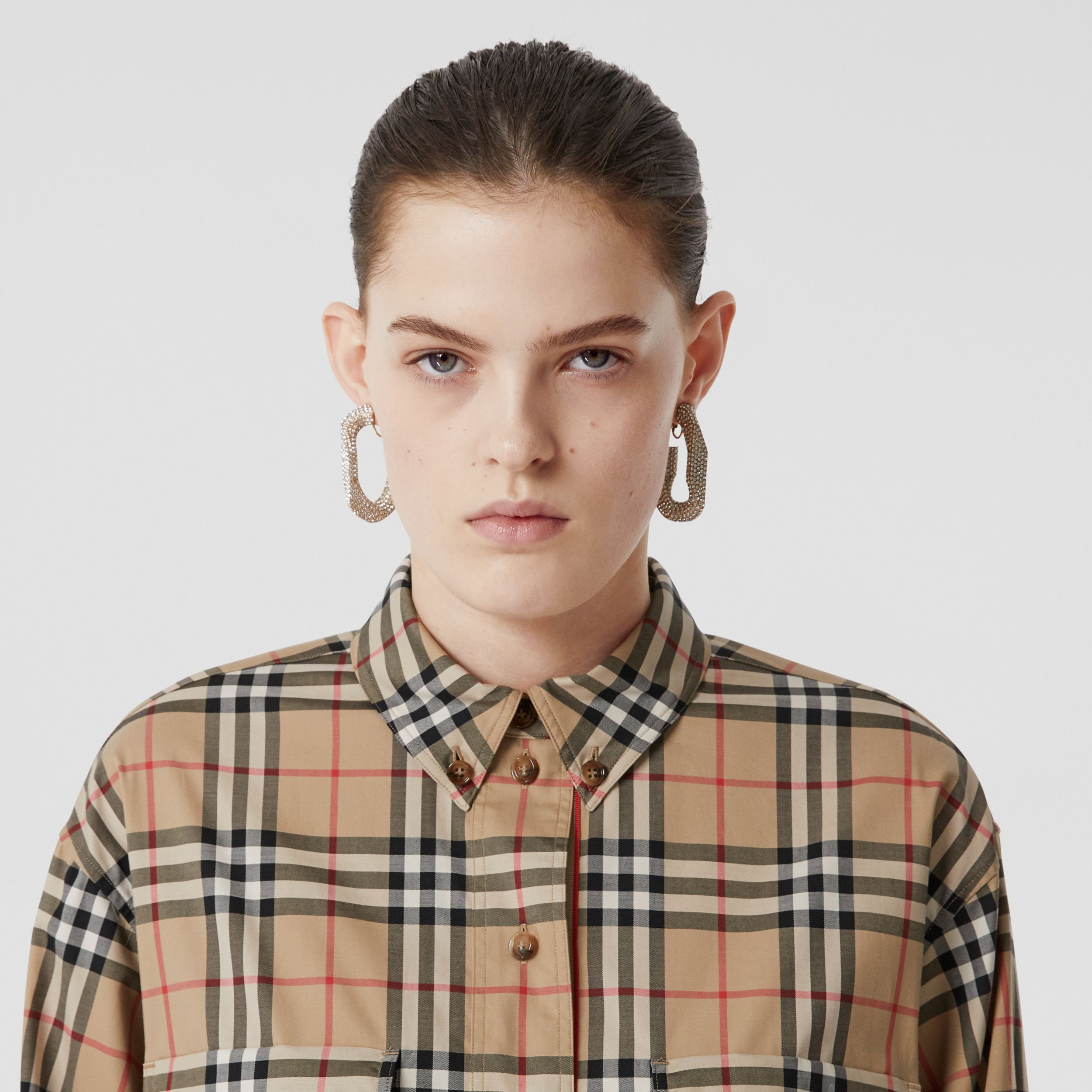 Vintage Check Stretch Cotton Oversized Shirt in Archive Beige - Women | Burberry United Kingdom - 2