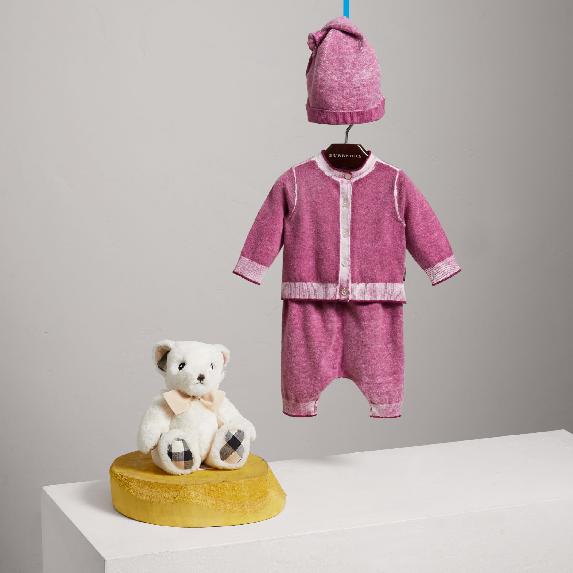 Cashmere Cotton Three-piece Baby Gift Set in Plum Pink | Burberry - gallery image 2