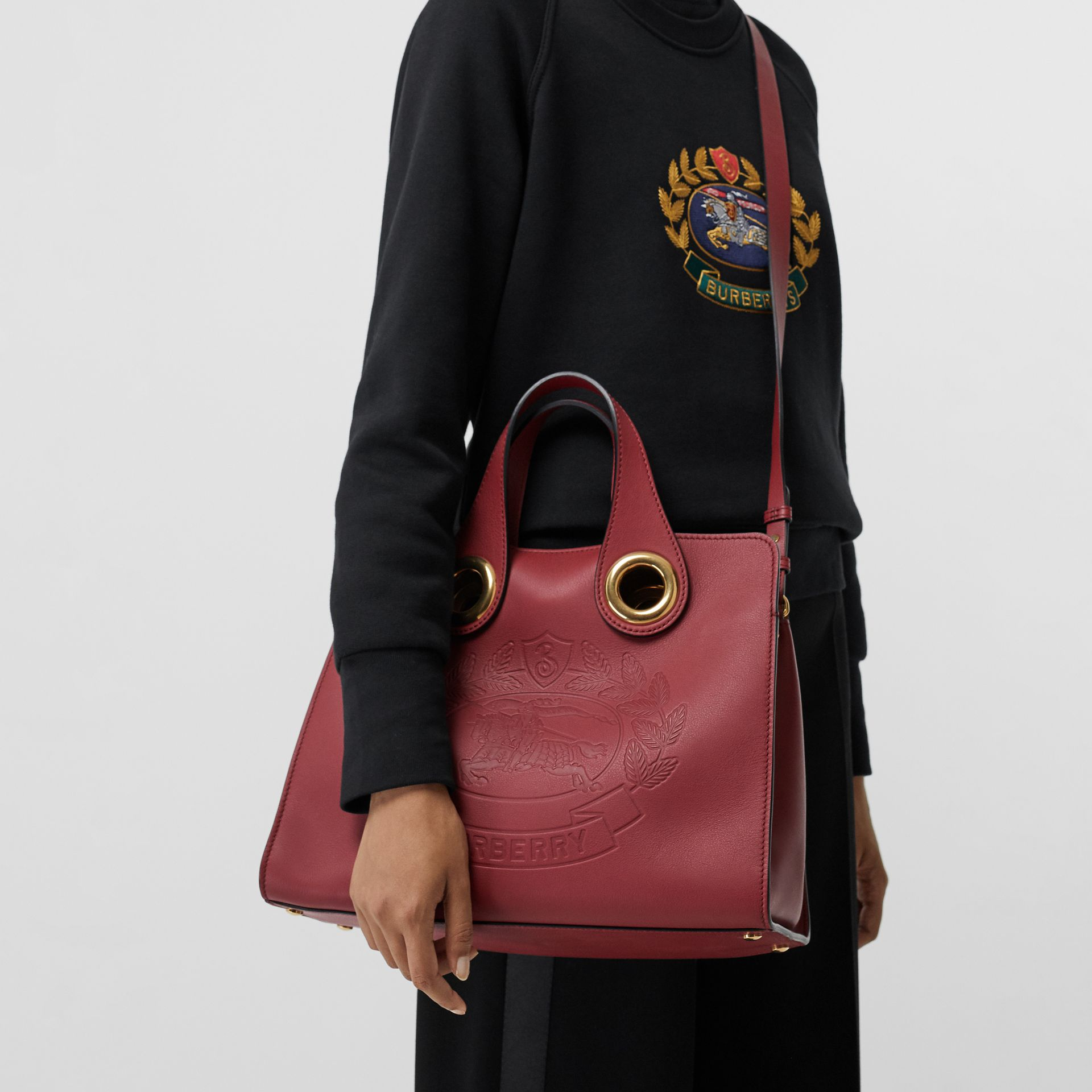 The Leather Crest Grommet Detail Tote in Crimson - Women | Burberry - gallery image 3