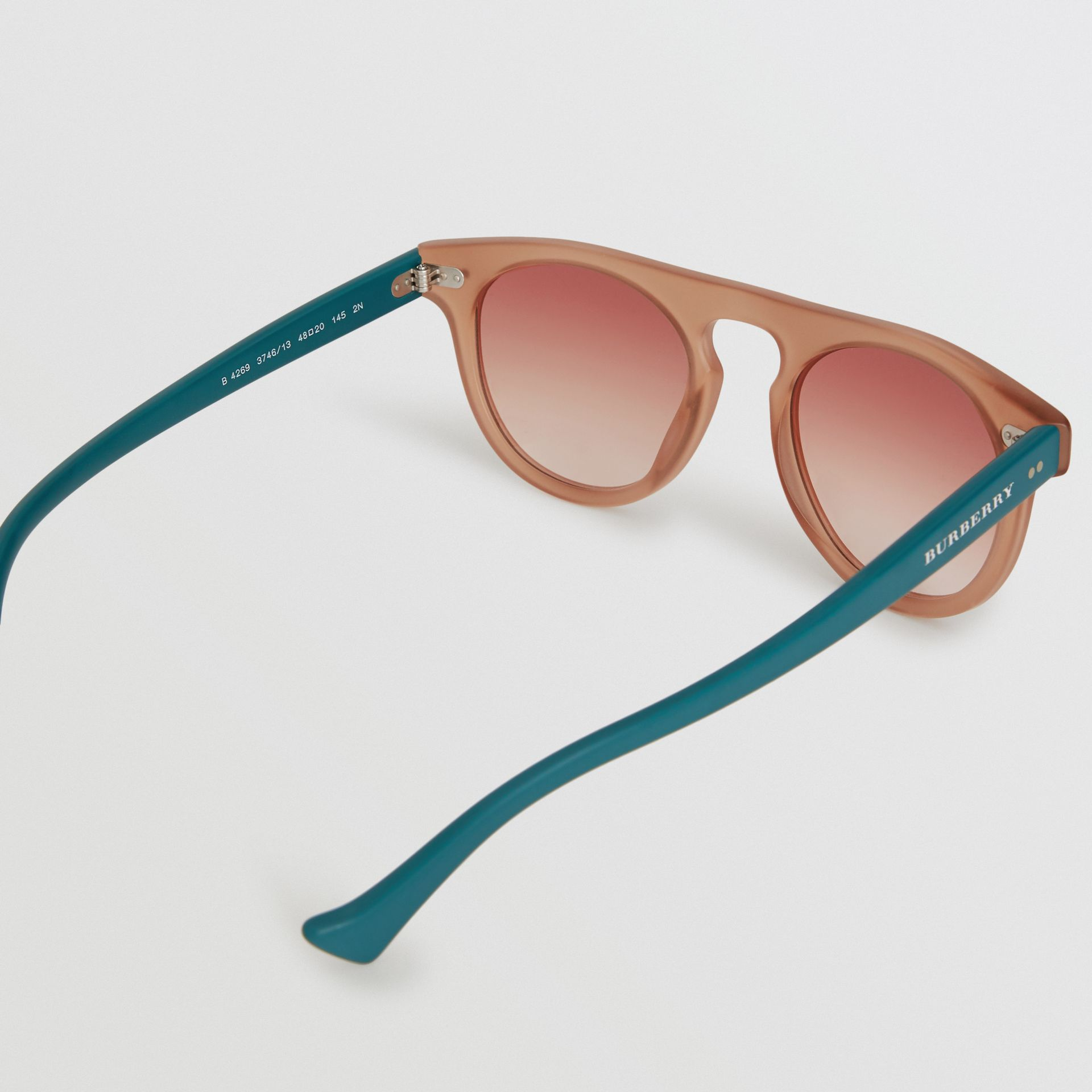 The Keyhole Round Frame Sunglasses in Brick Red | Burberry United Kingdom - gallery image 3