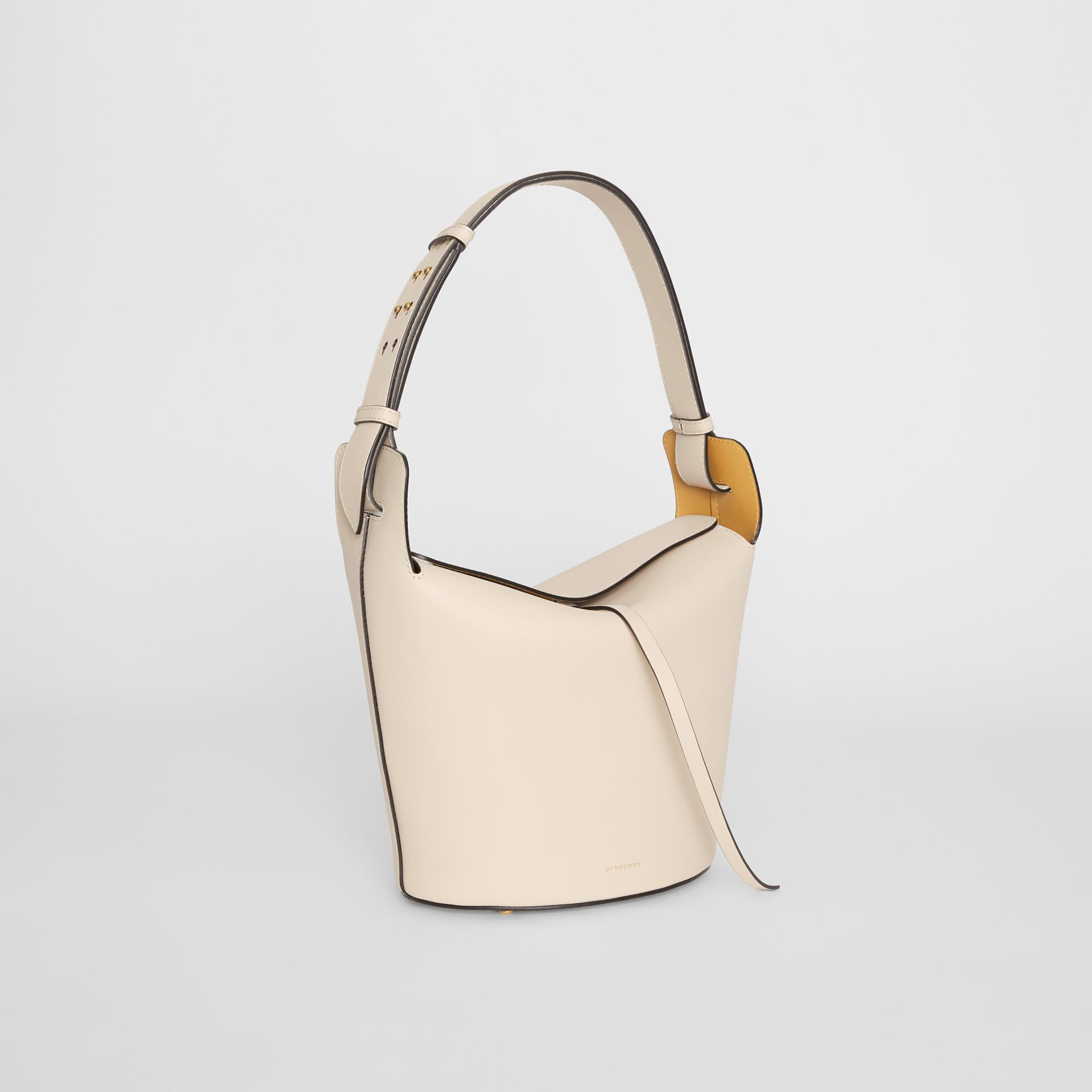 Sac The Bucket moyen en cuir (Calcaire) - Femme | Burberry Canada - photo de la galerie 6
