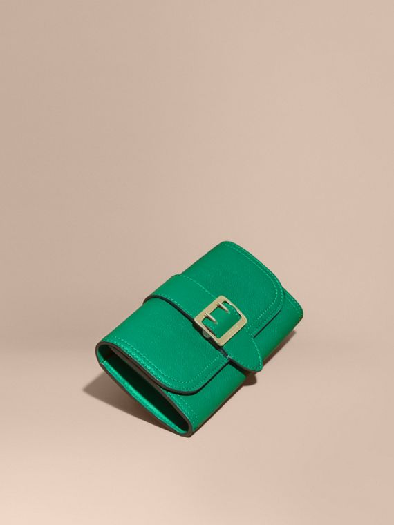 Textured Leather Continental Wallet Bright Pigment Green