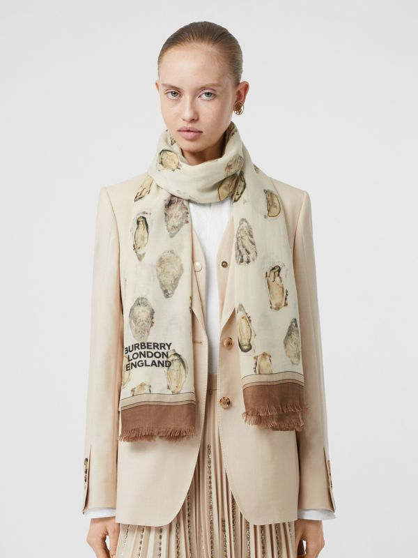 Oyster Print Lightweight Cashmere Scarf in White | Burberry United Kingdom - cell image 2