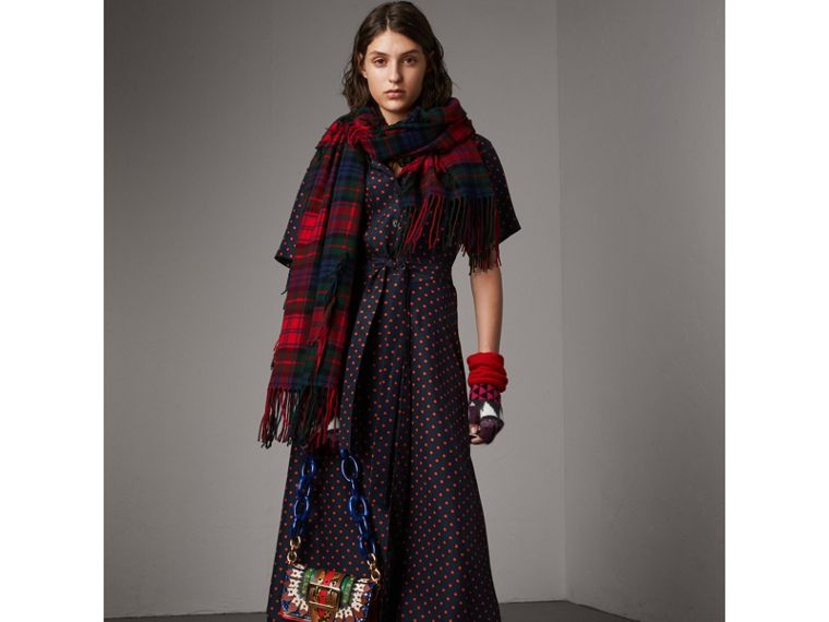 Fil Coupé Tartan Wool Cashmere Scarf in Bright Red | Burberry - cell image 2