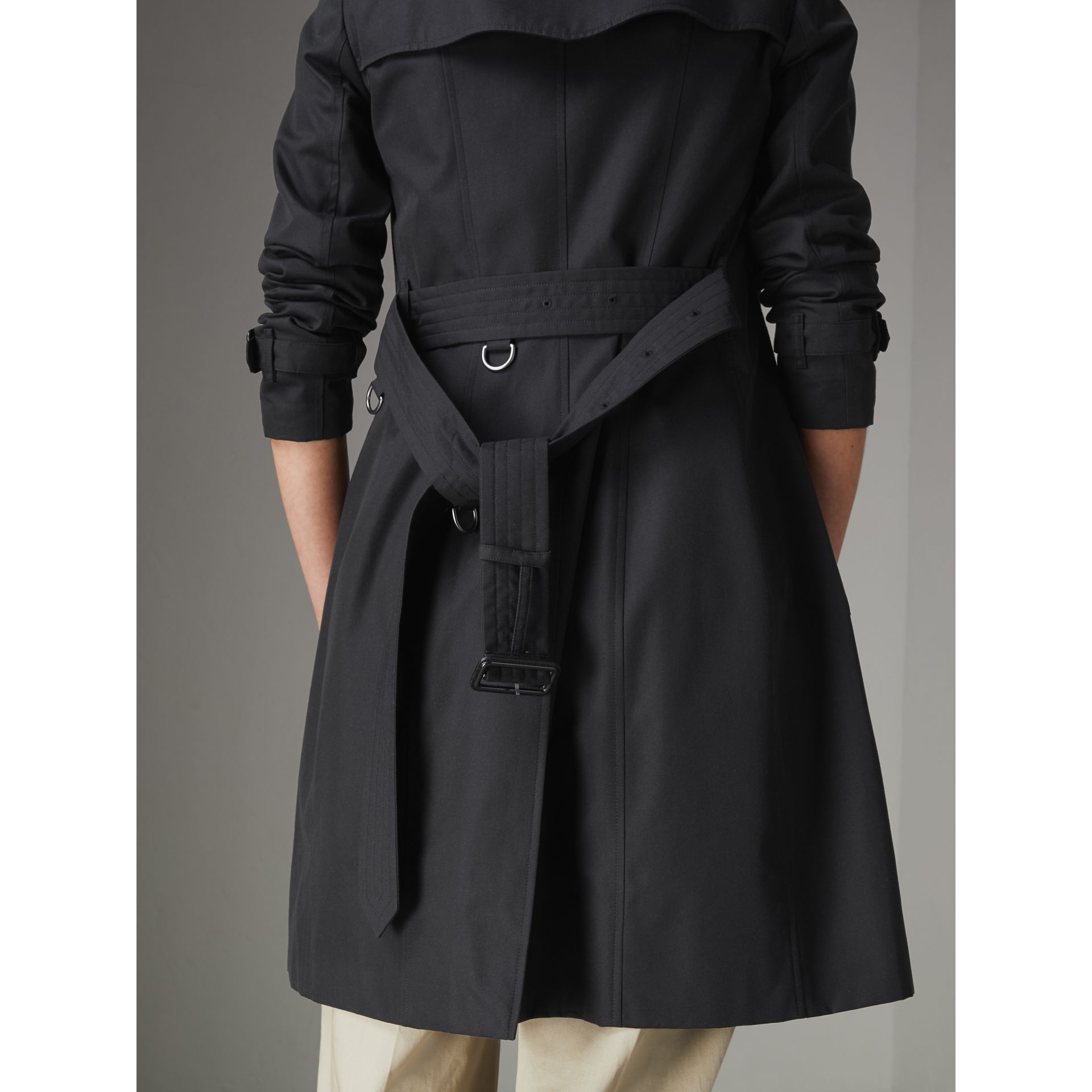 The Chelsea Heritage Trench Coat in Midnight - Women | Burberry Australia - gallery image 6