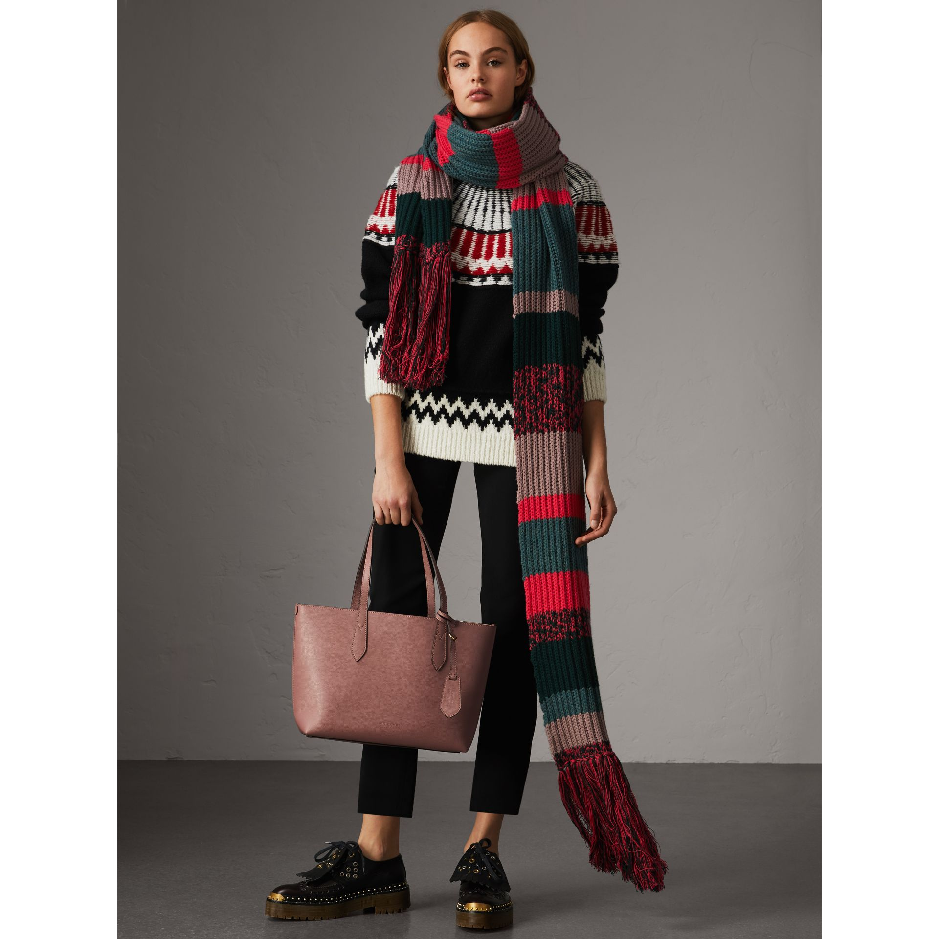 The Small Reversible Tote in Haymarket Check and Leather in Light Elderberry - Women | Burberry United States - gallery image 3