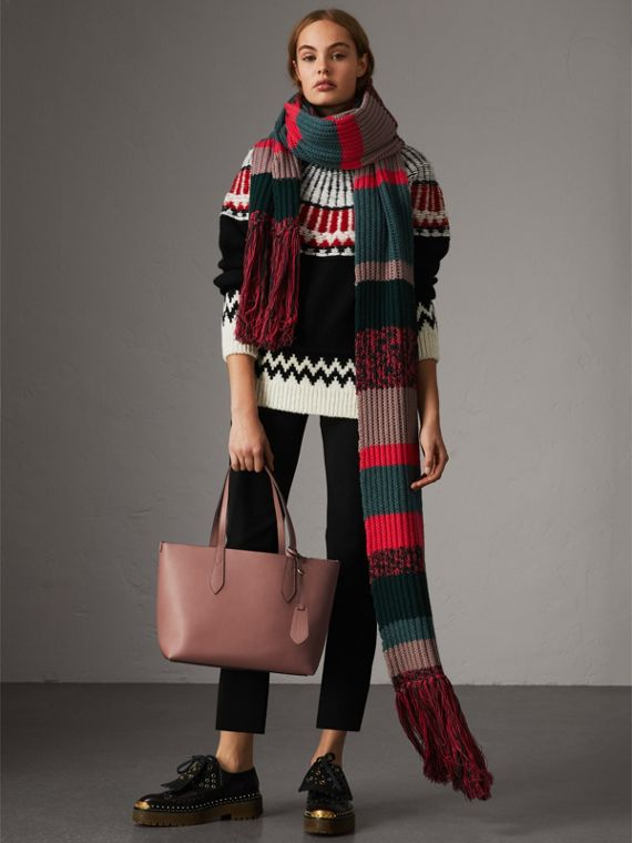 The Small Reversible Tote in Haymarket Check and Leather in Light Elderberry - Women | Burberry United States - cell image 2