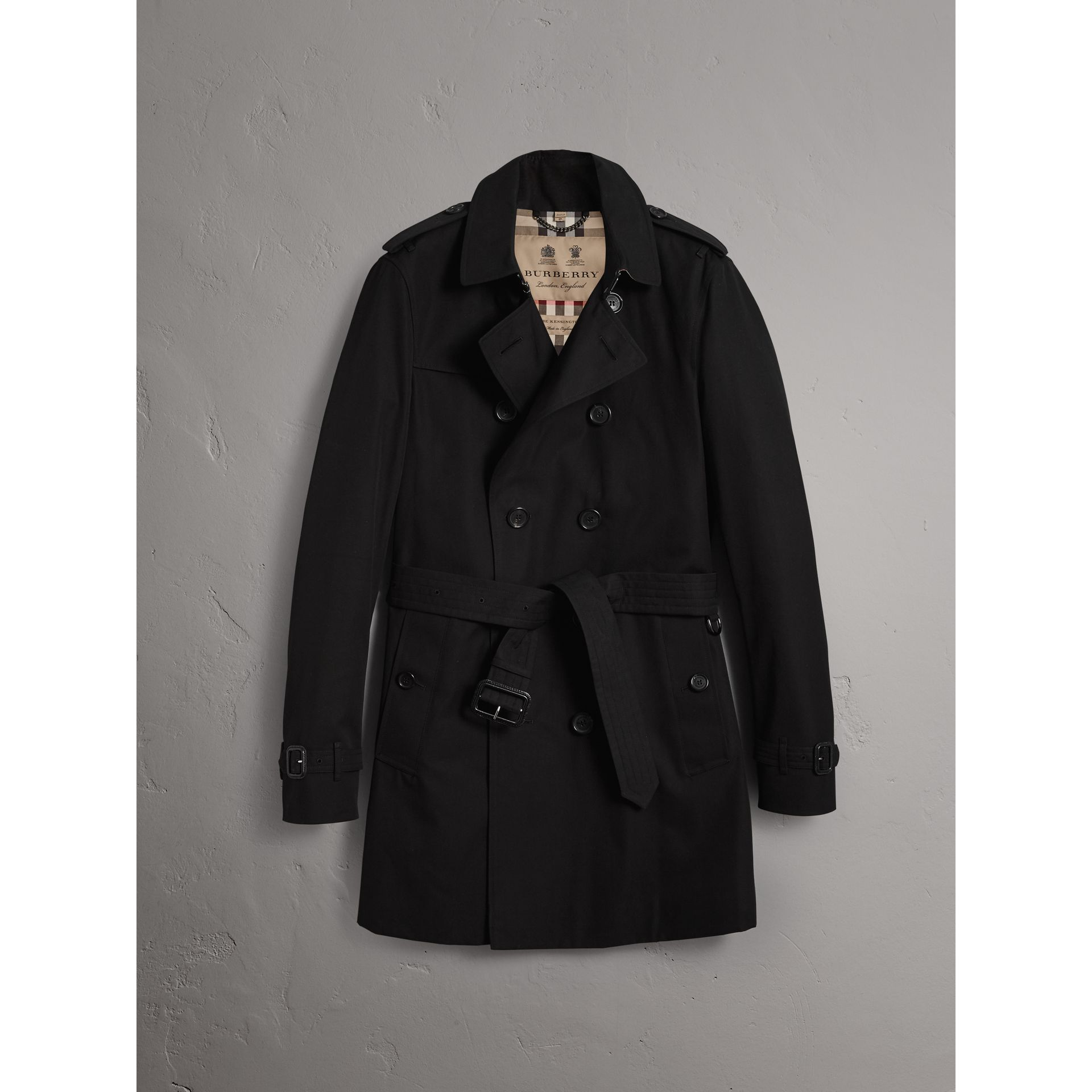 The Chelsea – Mid-length Trench Coat in Black - Men | Burberry United Kingdom - gallery image 3
