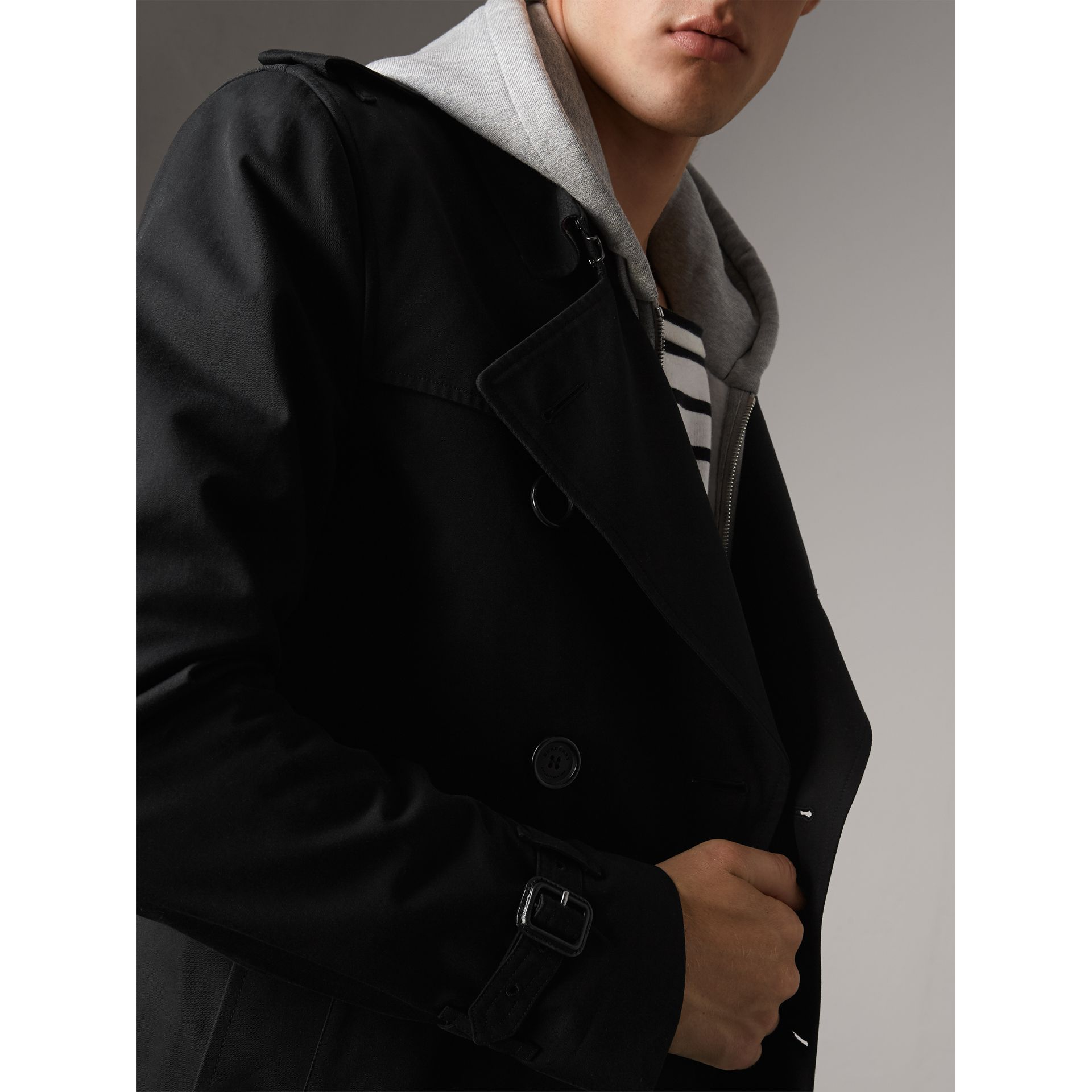 The Kensington – Short Trench Coat in Black - Men | Burberry Canada - gallery image 6