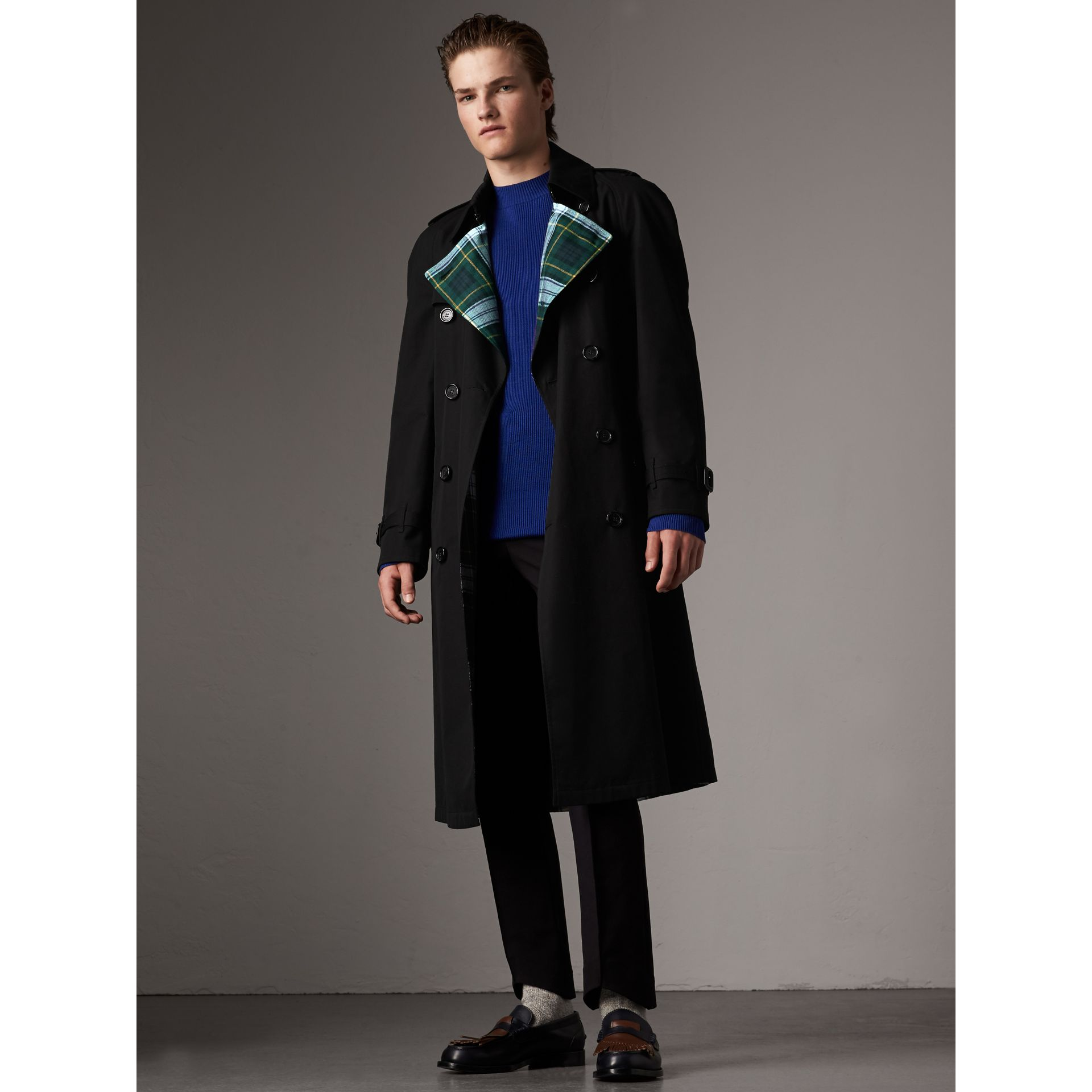 Tartan-lined Cotton Gabardine Trench Coat in Black - Men | Burberry - gallery image 1