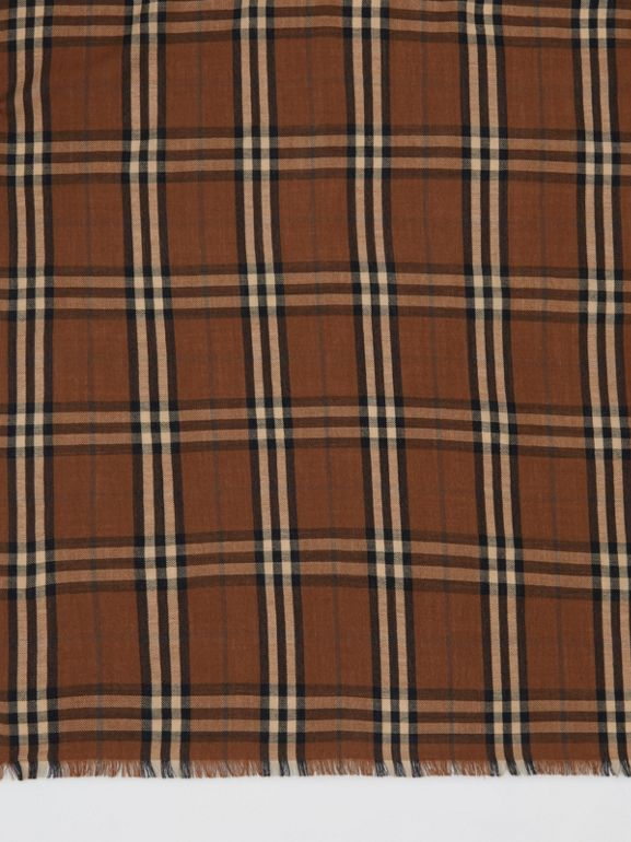 Vintage Check Lightweight Cashmere Scarf in Bridle Brown | Burberry United Kingdom - cell image 1