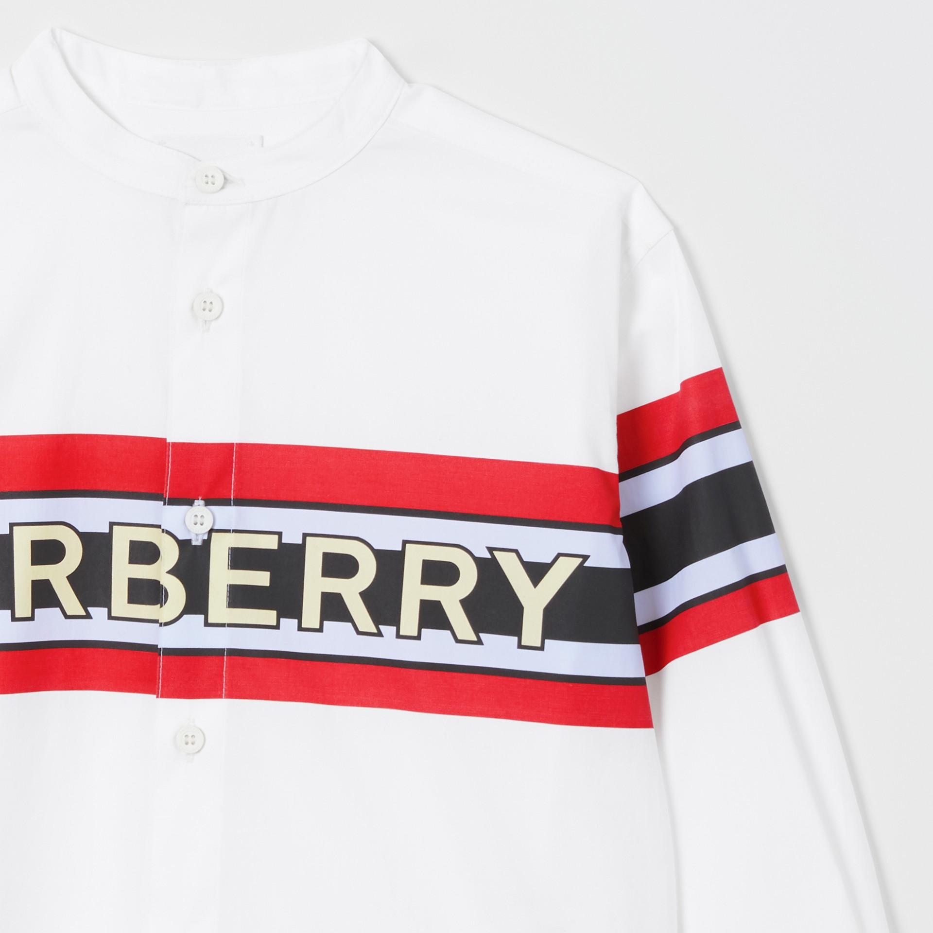 Camisa en popelina de algodón elástico con estampado de logotipo (Blanco) | Burberry - imagen de la galería 4