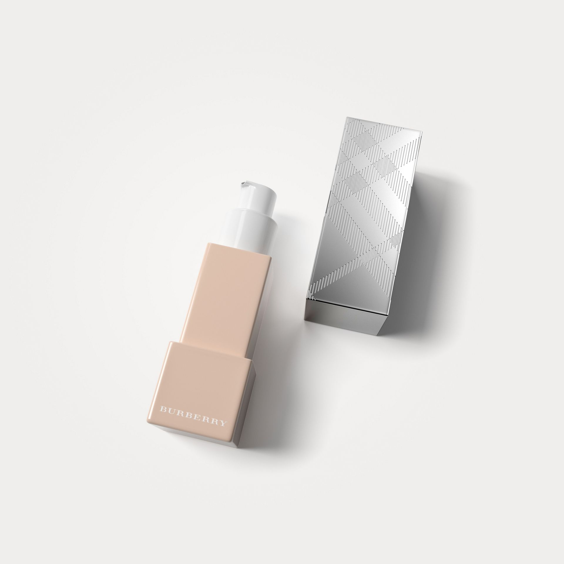 Porcelain 11 Bright Glow Foundation SPF 30 PA+++ – Porcelain No.11 - gallery image 1