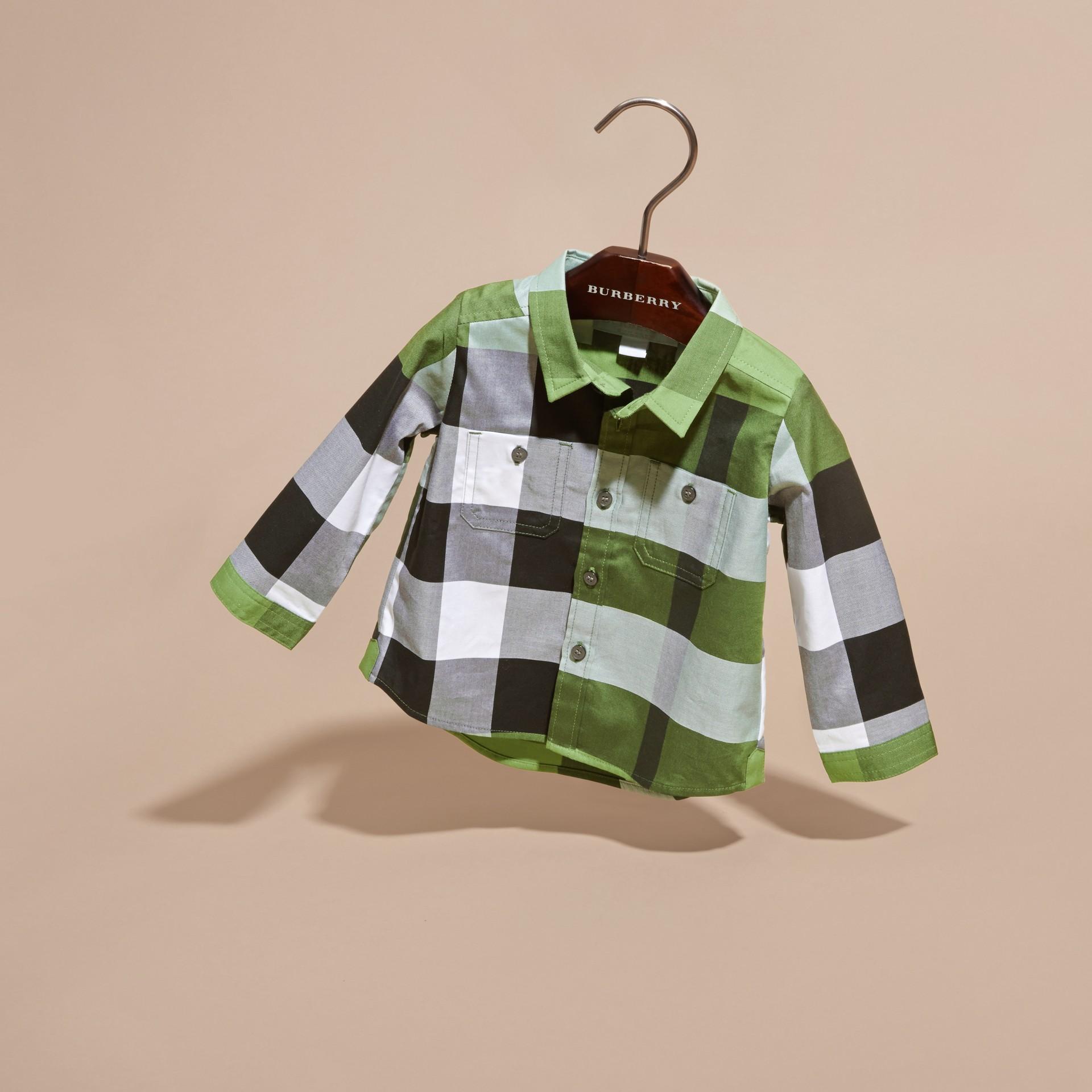 Verde felce brillante Camicia in cotone con motivo check Verde Felce Brillante - immagine della galleria 3