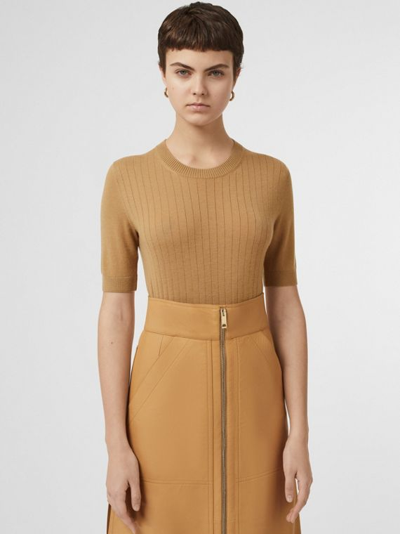 Short-sleeve Rib Knit Cashmere Sweater in Camel