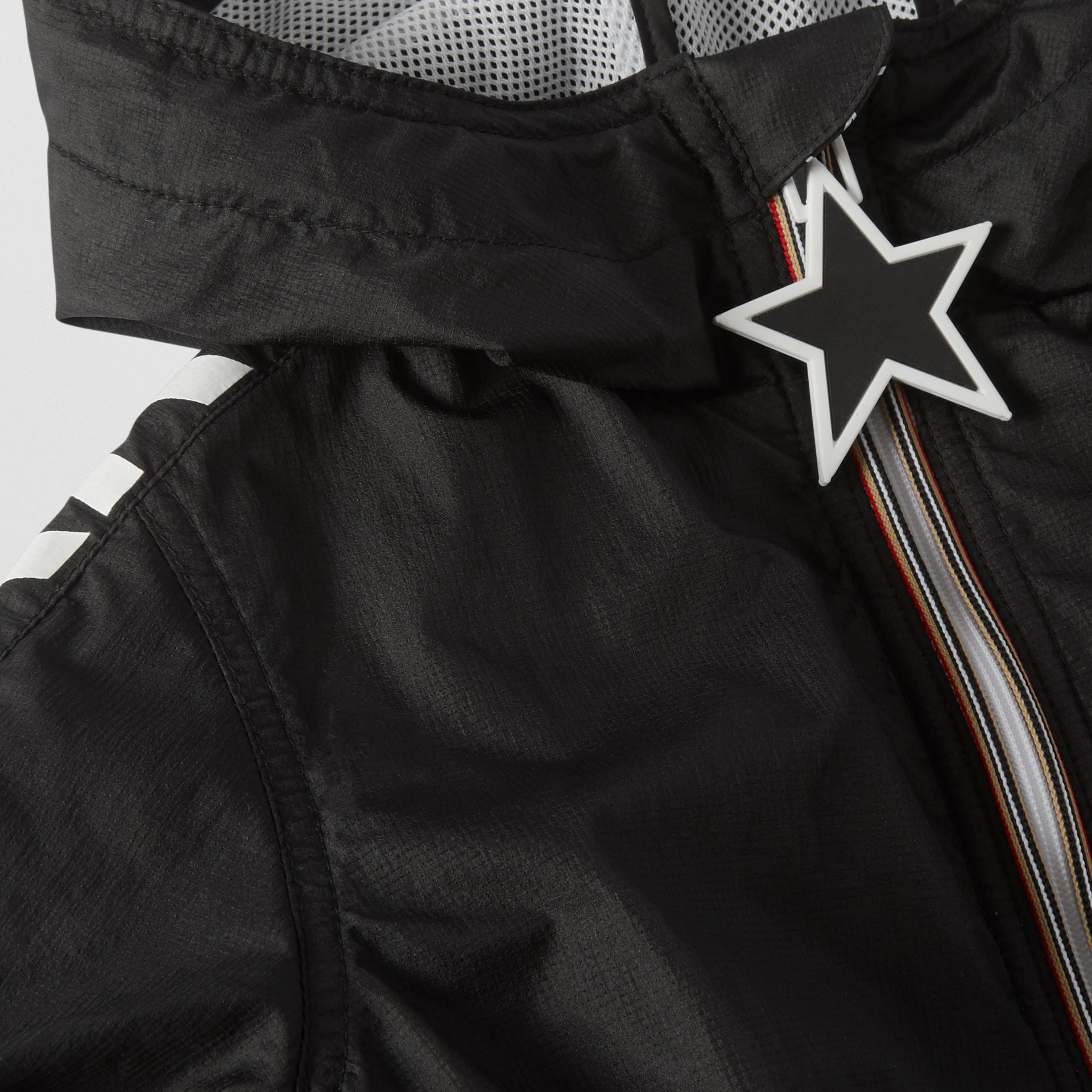 Star Detail Logo Print Lightweight Hooded Jacket in Black - Children | Burberry Canada - gallery image 1