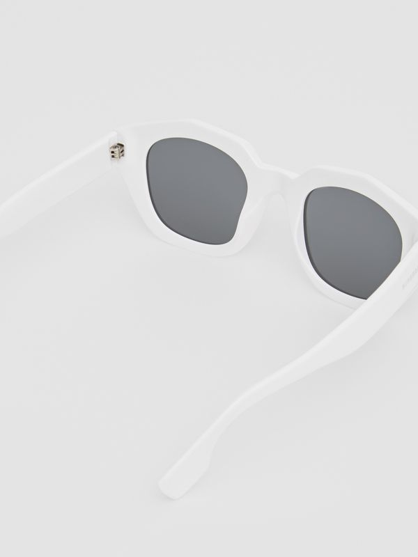 Geometric Frame Sunglasses in White - Women | Burberry Hong Kong - cell image 3