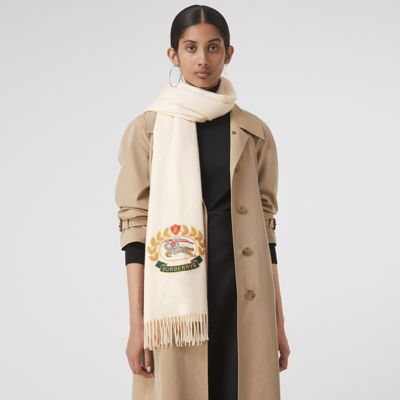 「 The Large Classic Cashmere Scarf with Archive Logo white」的圖片搜尋結果