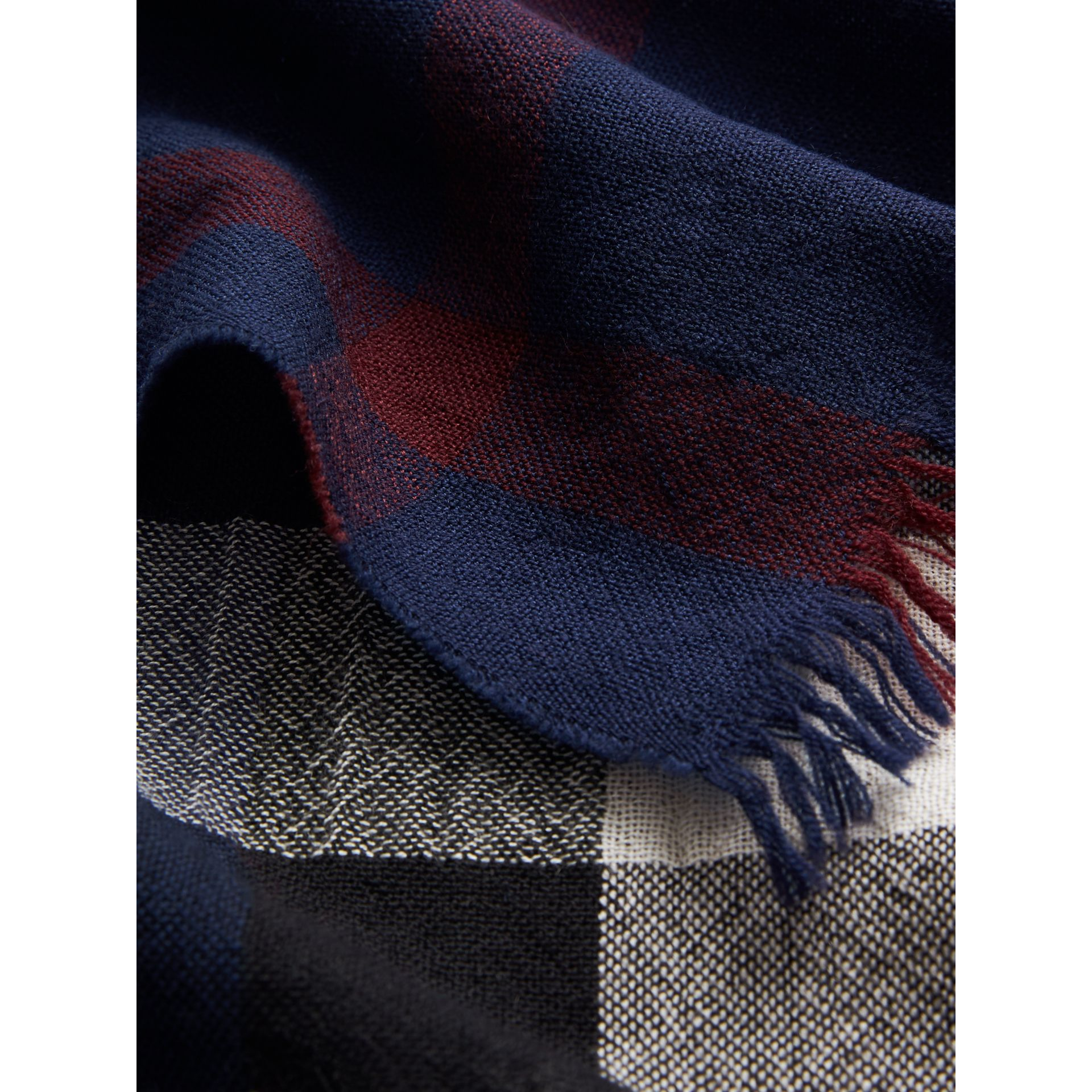 Lightweight Check Wool Cashmere Scarf in Navy | Burberry - gallery image 1