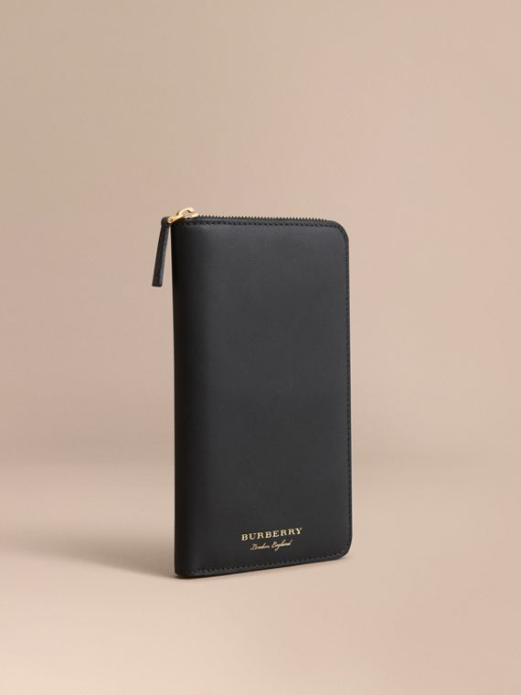 Trench Leather Ziparound Wallet Black