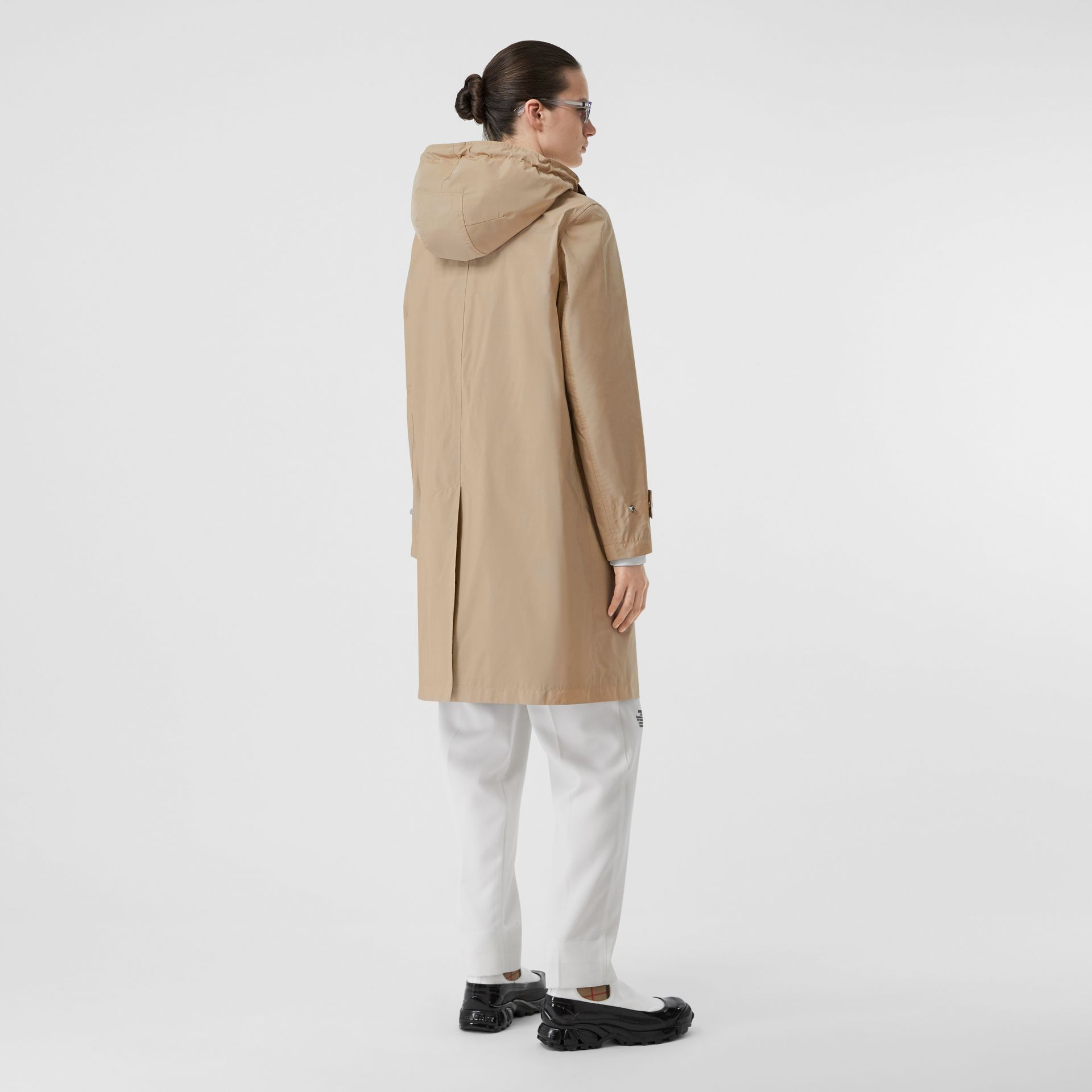Detachable Hood Shape-memory Taffeta Car Coat in Dusty Beige - Women | Burberry Australia - gallery image 2