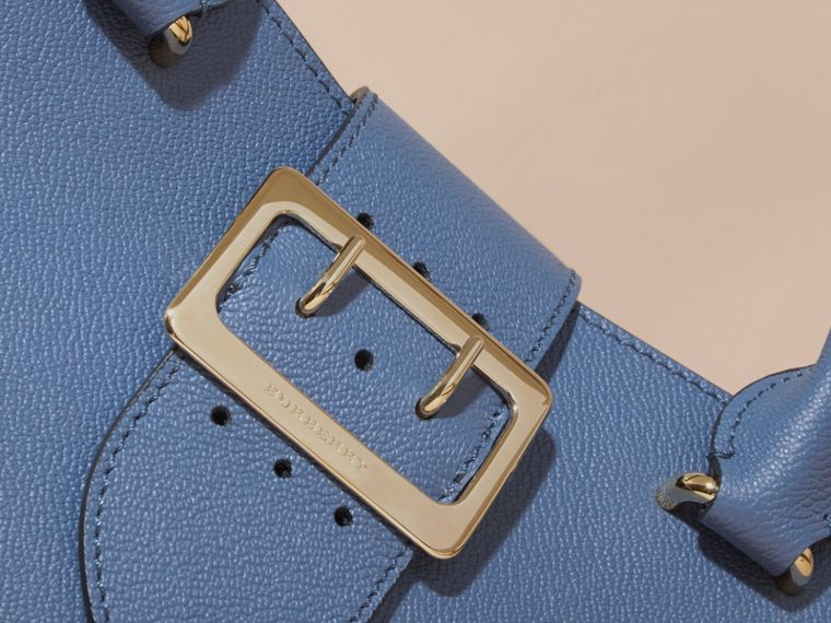 The Small Buckle Tote in Grainy Leather Steel Blue - cell image 1