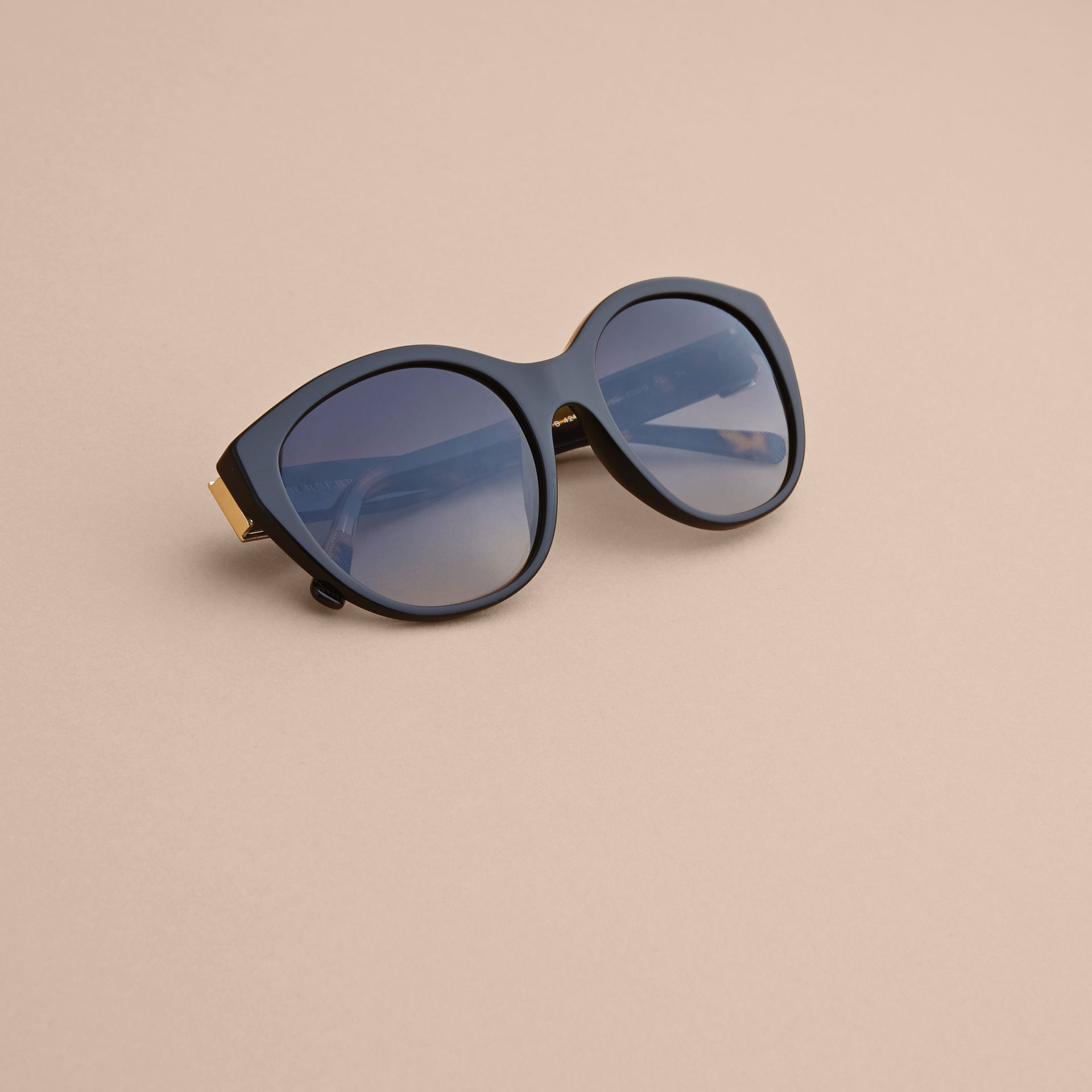 Buckle Detail Round Frame Sunglasses in Black - Women | Burberry United States - gallery image 5