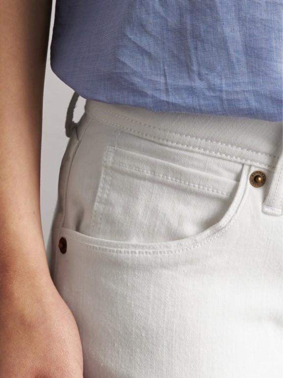 Jeans attillati bianchi a vita bassa (Bianco) - Donna | Burberry - cell image 1