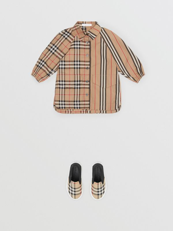 Vintage Check and Icon Stripe Cotton Shirt Dress in Archive Beige - Children | Burberry - cell image 2