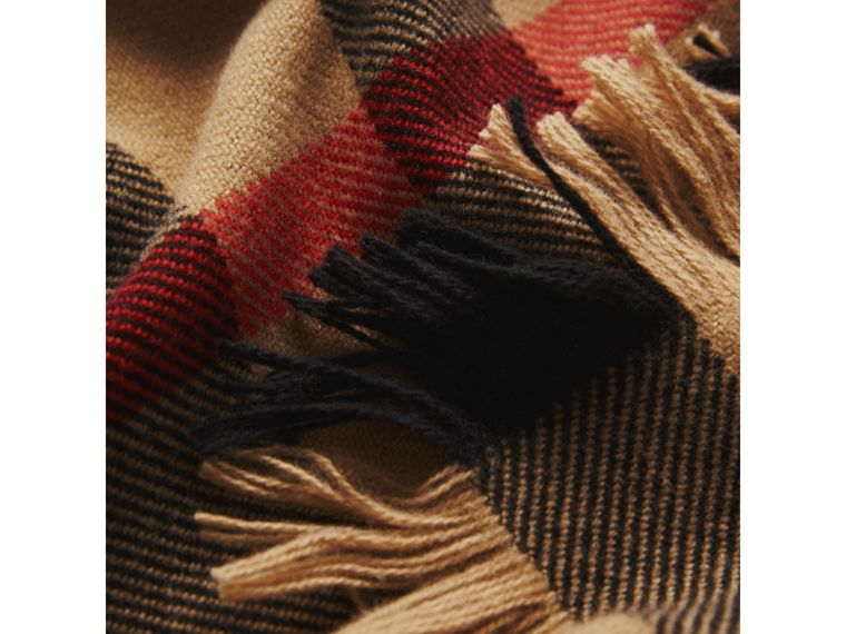 Fringed Check Wool Scarf in Camel | Burberry United Kingdom - cell image 1