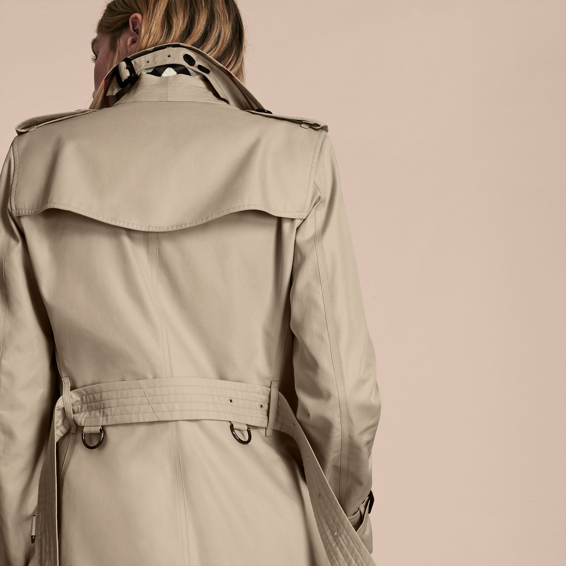 Stone The Kensington – Short Heritage Trench Coat Stone - gallery image 6