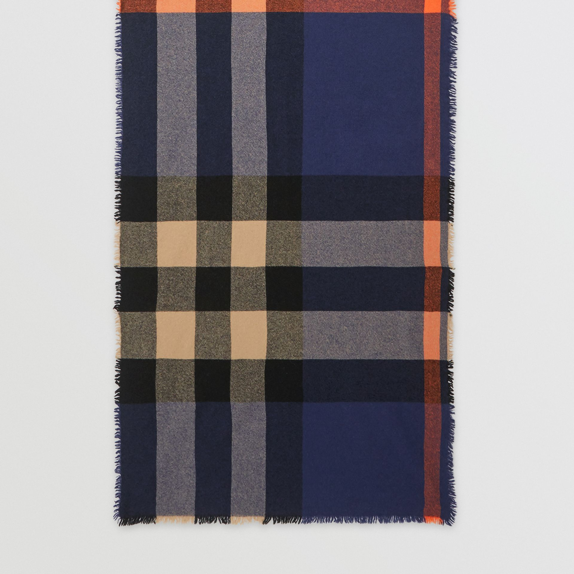 Fringed Check Wool Cashmere Scarf in Ink Blue | Burberry - gallery image 2