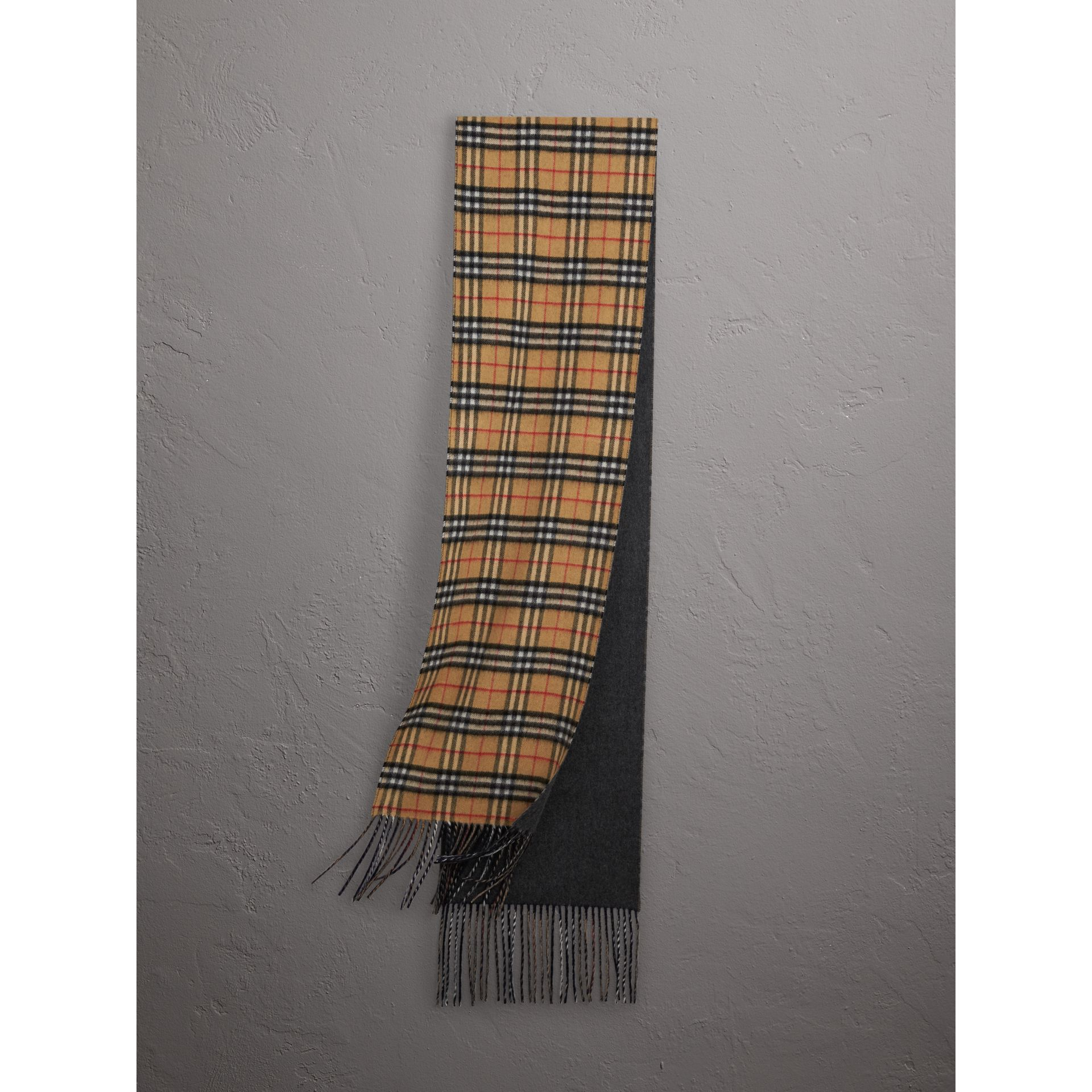 Long Reversible Vintage Check Double-faced Cashmere Scarf in Slate Blue | Burberry Singapore - gallery image 0