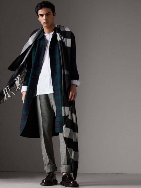 Check Cashmere Wrap in Black | Burberry United States - cell image 3