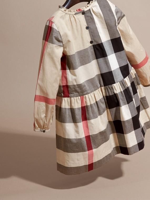 New classic check Vestido de algodão com estampa xadrez e detalhe franzido New Classic Check - cell image 3