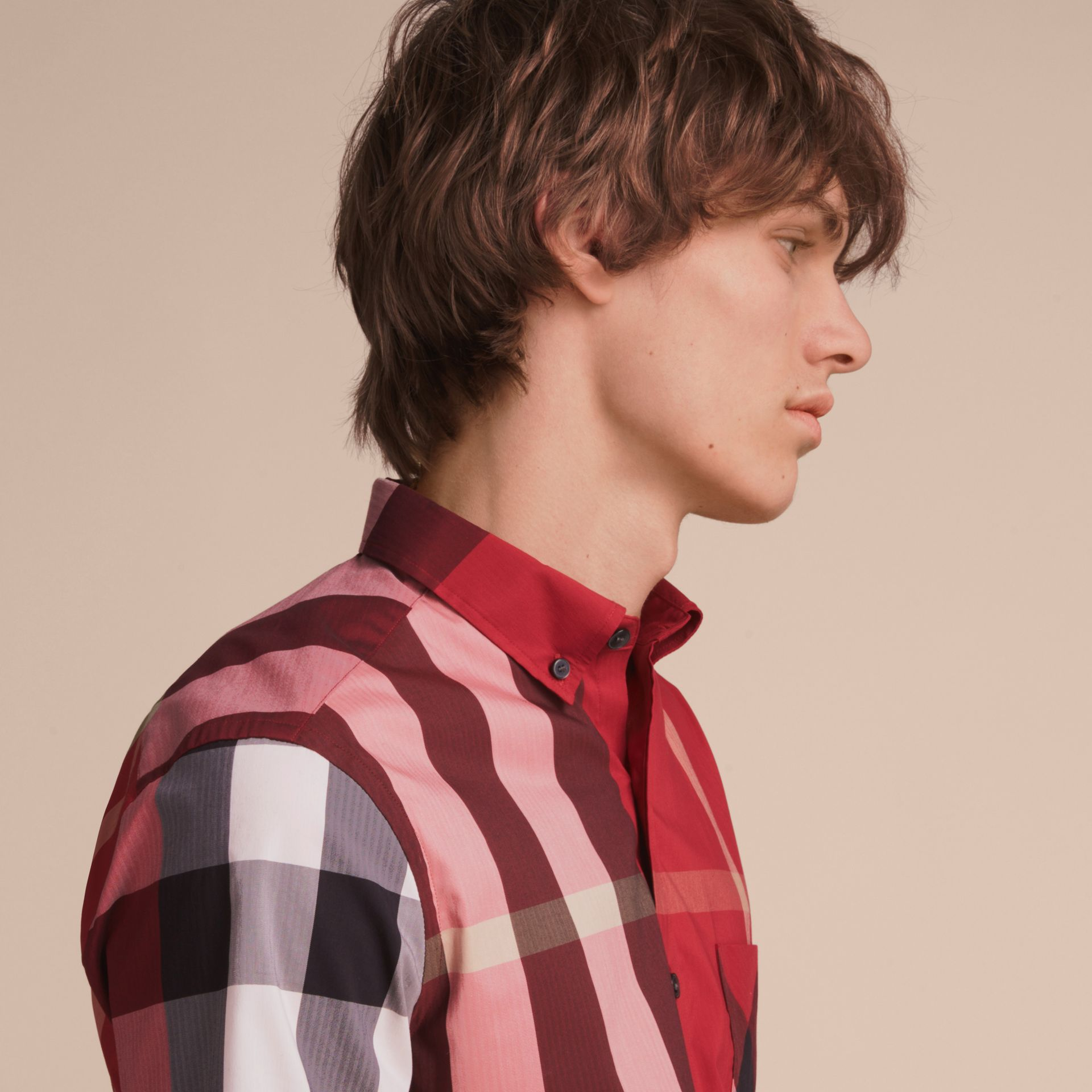 Short-sleeve Check Stretch Cotton Blend Shirt in Parade Red - Men | Burberry - gallery image 5