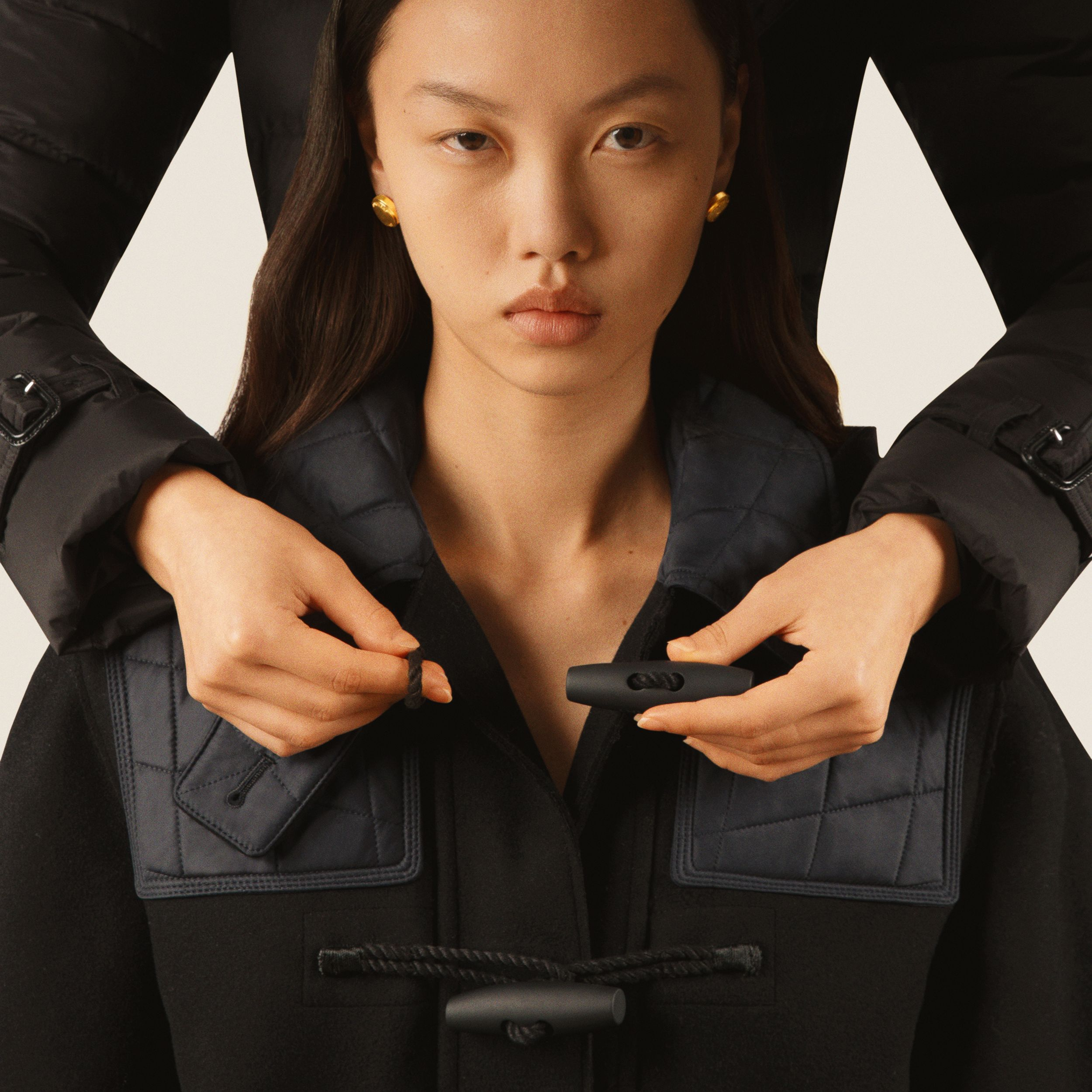 Diamond Quilted Panel Technical Wool Duffle Coat in Black - Women | Burberry - 4