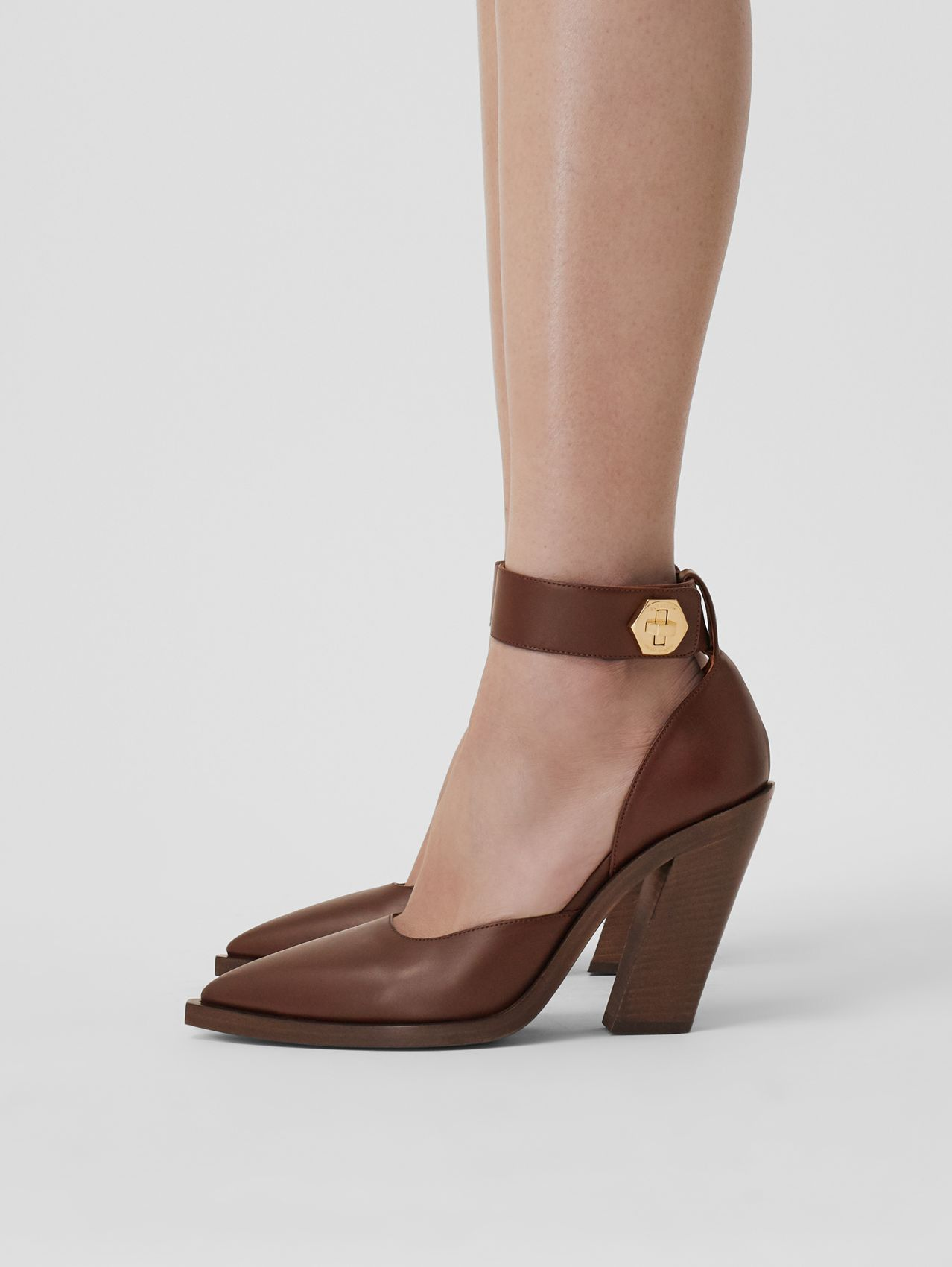 Leather Point-toe Pumps in Tan