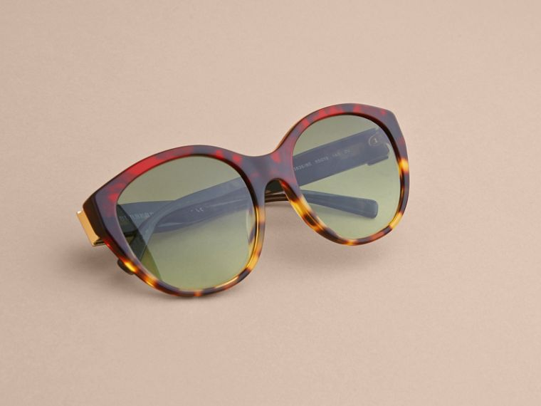Buckle Detail Round Frame Sunglasses in Amber Yellow - Women | Burberry - cell image 4