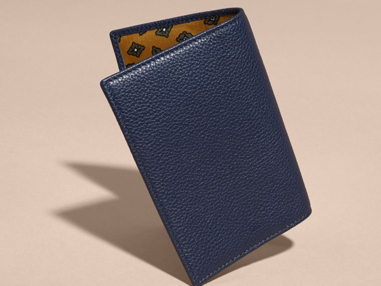 Bright navy Grainy Leather Passport and Card Holder Bright Navy - cell image 4